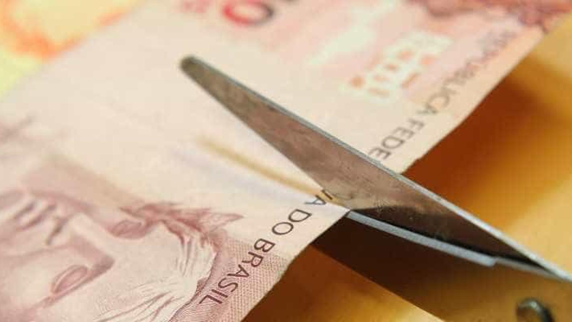 Comissão aprova projeto que torna crime alterar meta fiscal no 2º semestre