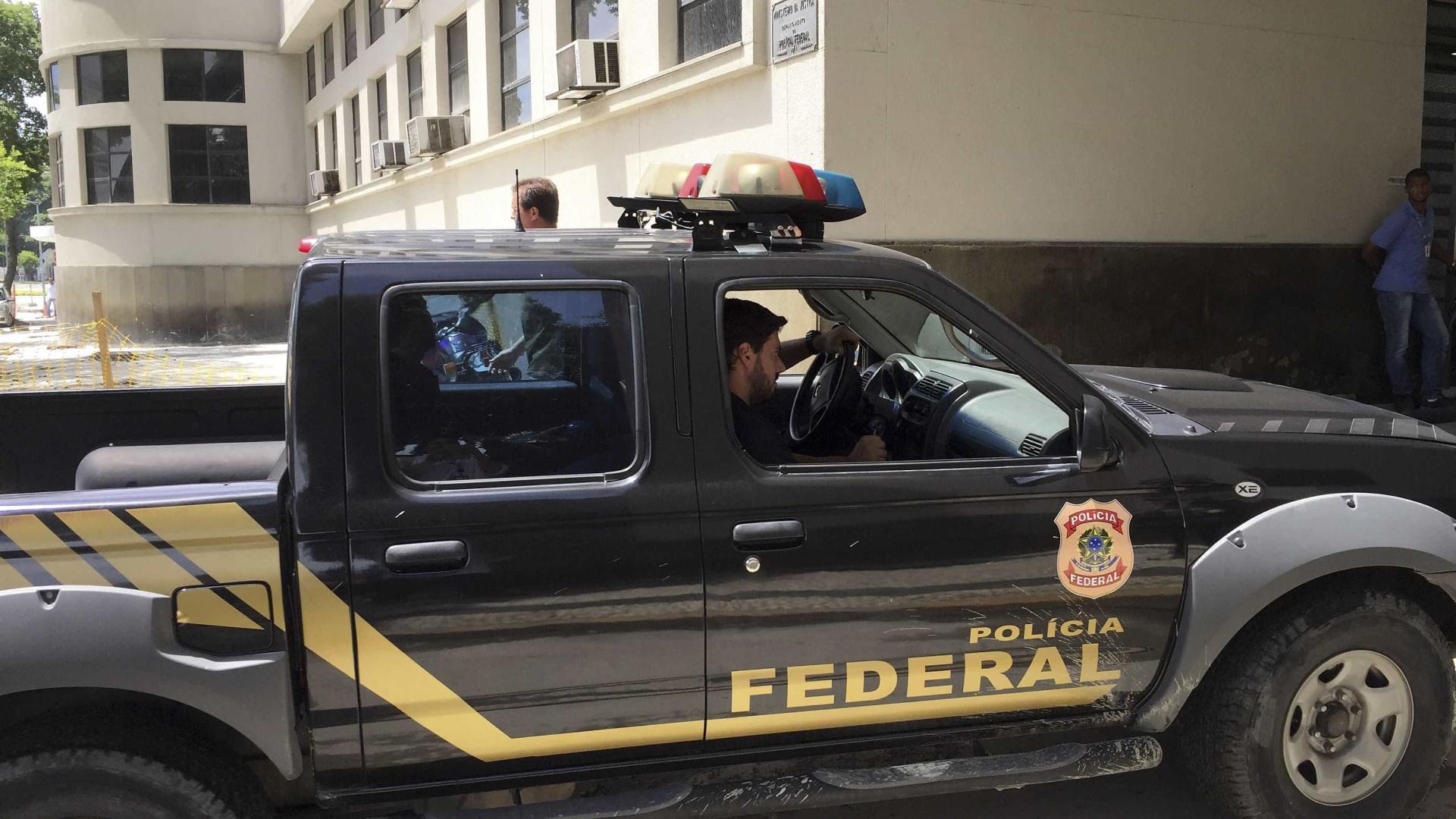 PF faz operação contra grupo que usava portos para despachar droga