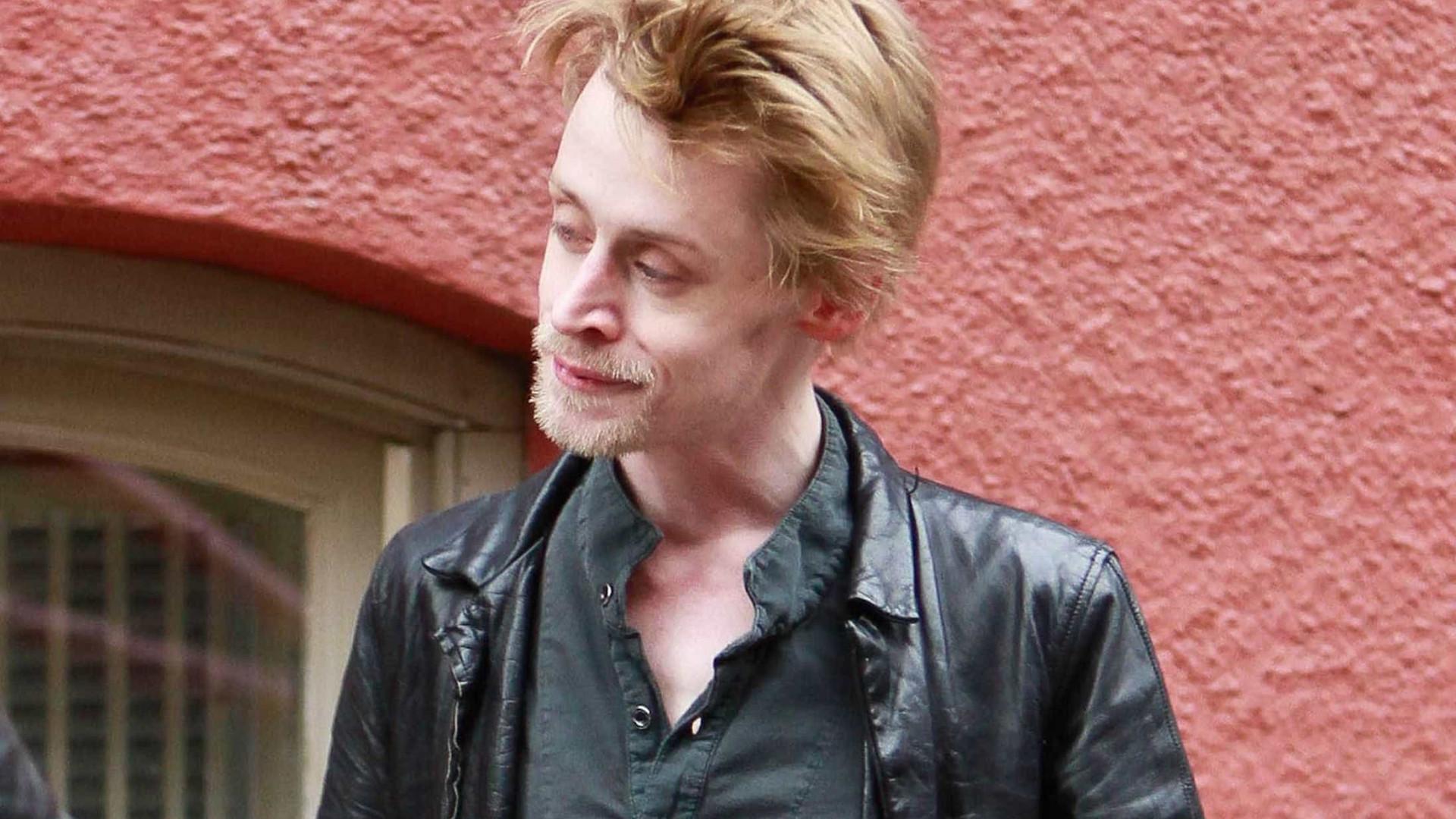 Macaulay Culkin fala de agressões do pai: 'Mentais e físicas'