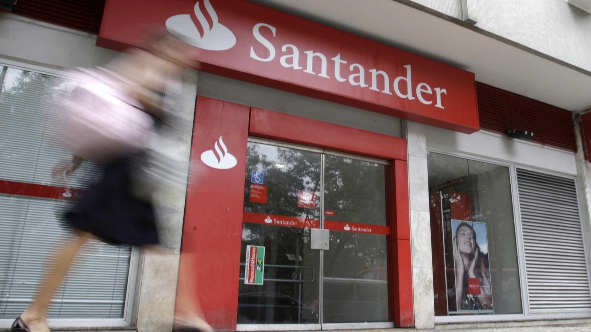 Assalto em agência bancária deixa feridos no Recife; veja vídeo