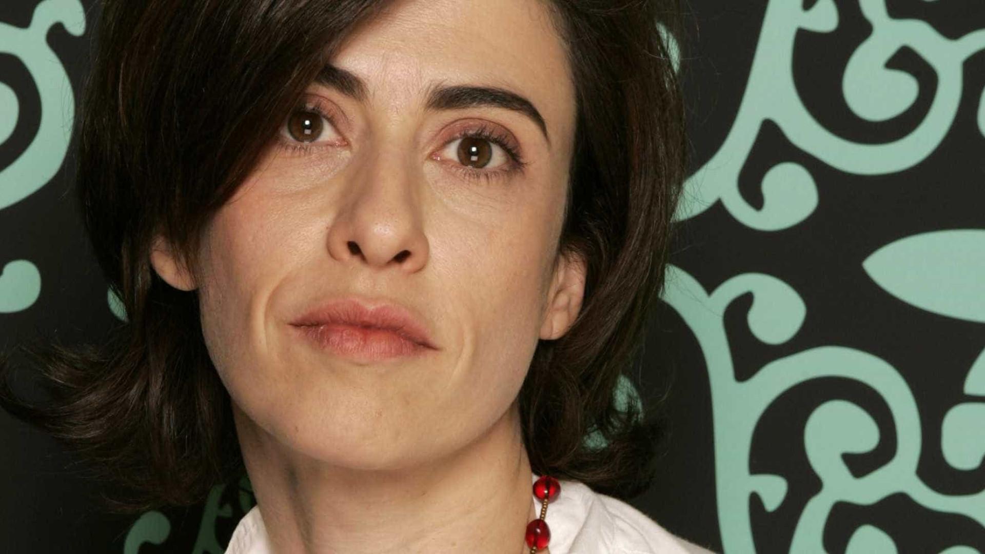 Fernanda Torres transforma primeiro livro em roteiro de série
