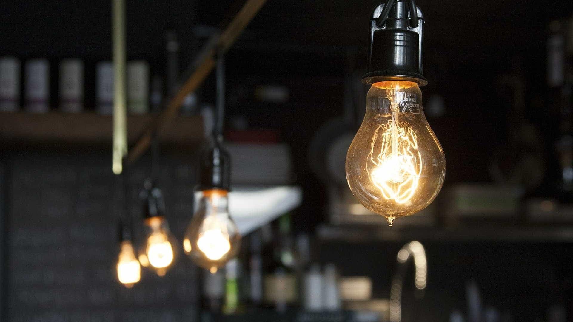 A partir de hoje, conta de luz fica mais cara
