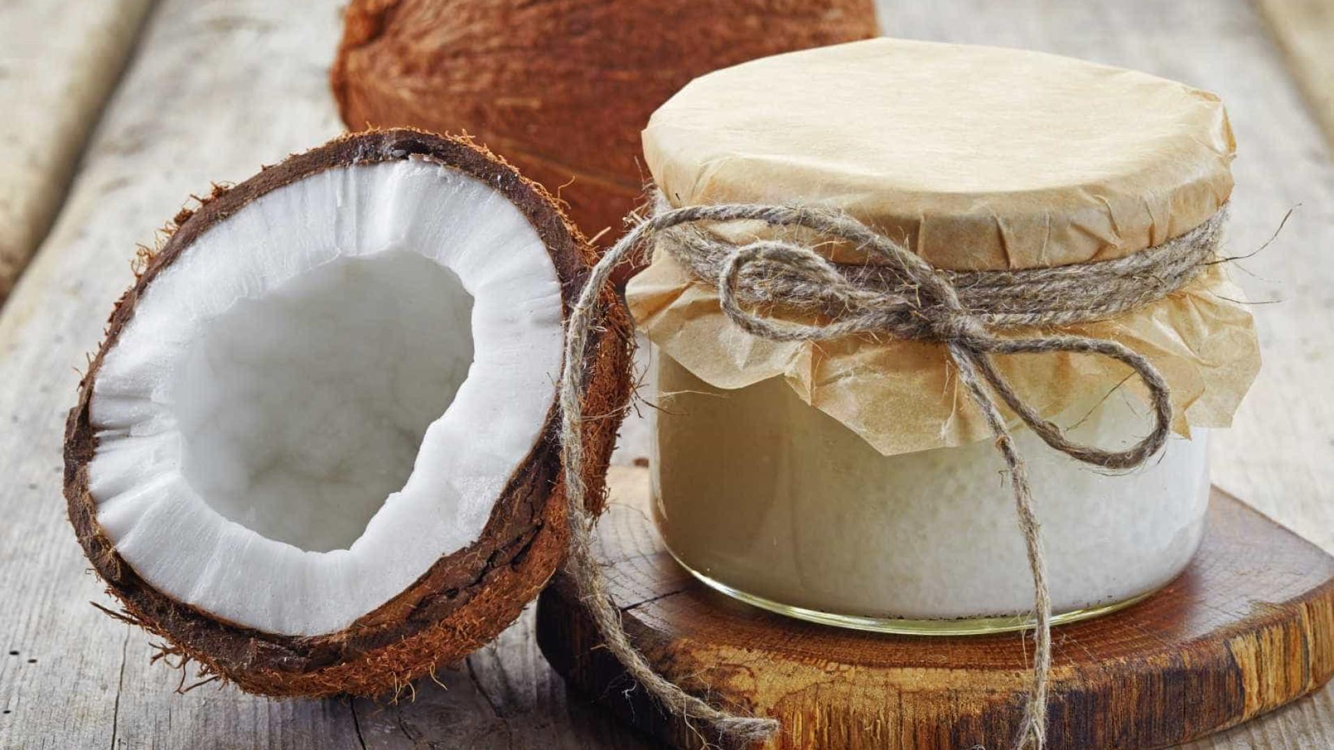 7 maneiras de usar óleo de coco no cabelo