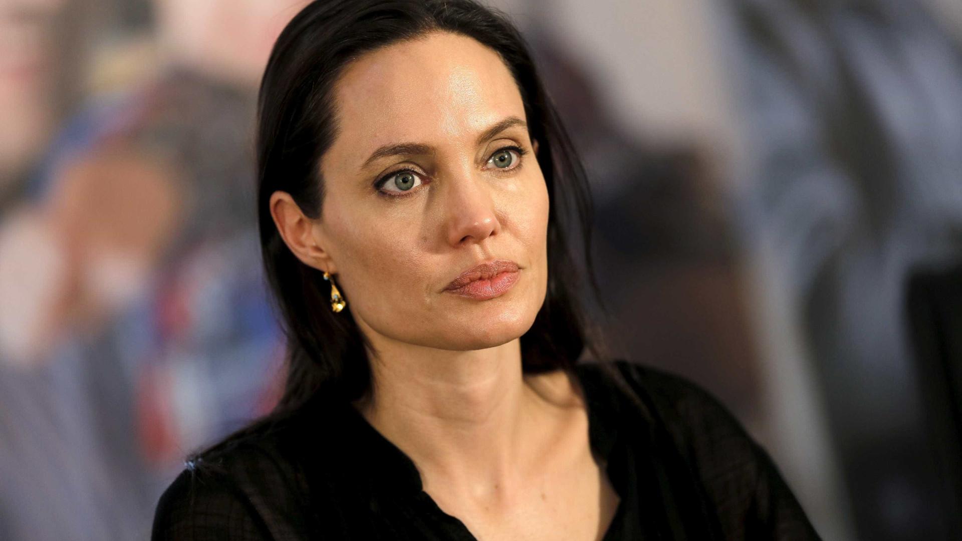 Angelina Jolie perdeu mais peso após  separação de Brad Pitt