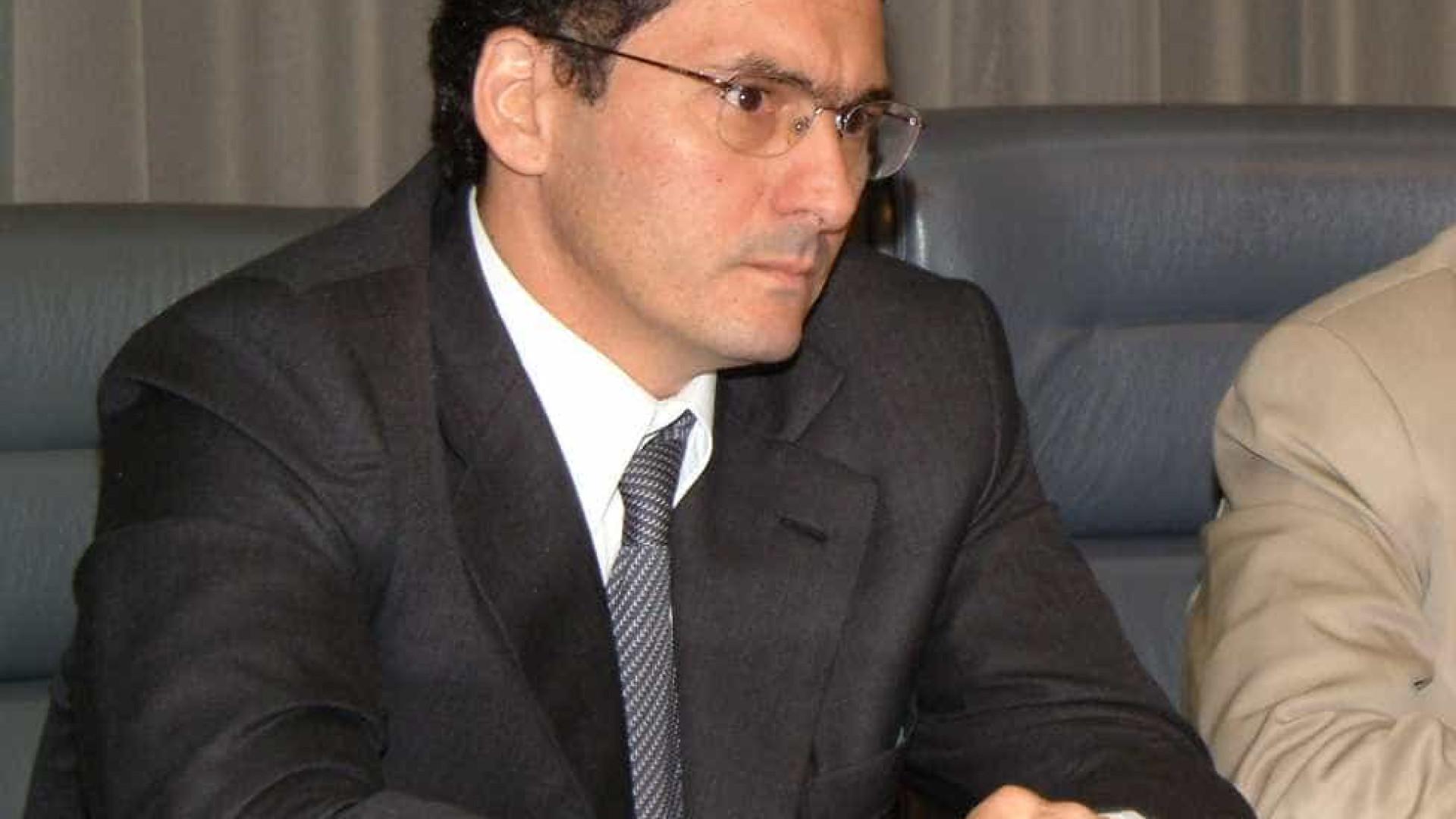 Brasil não é imune a movimento mundial de alta do dólar, diz ministro
