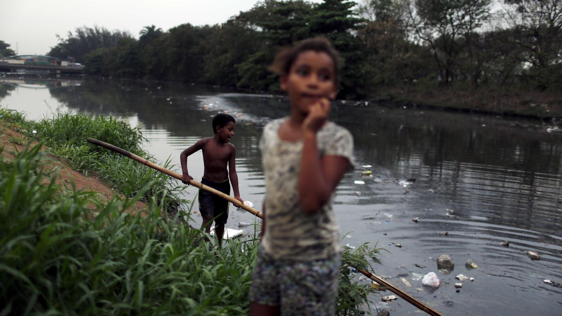 Seis em cada dez crianças vivem em situação precária no Brasil