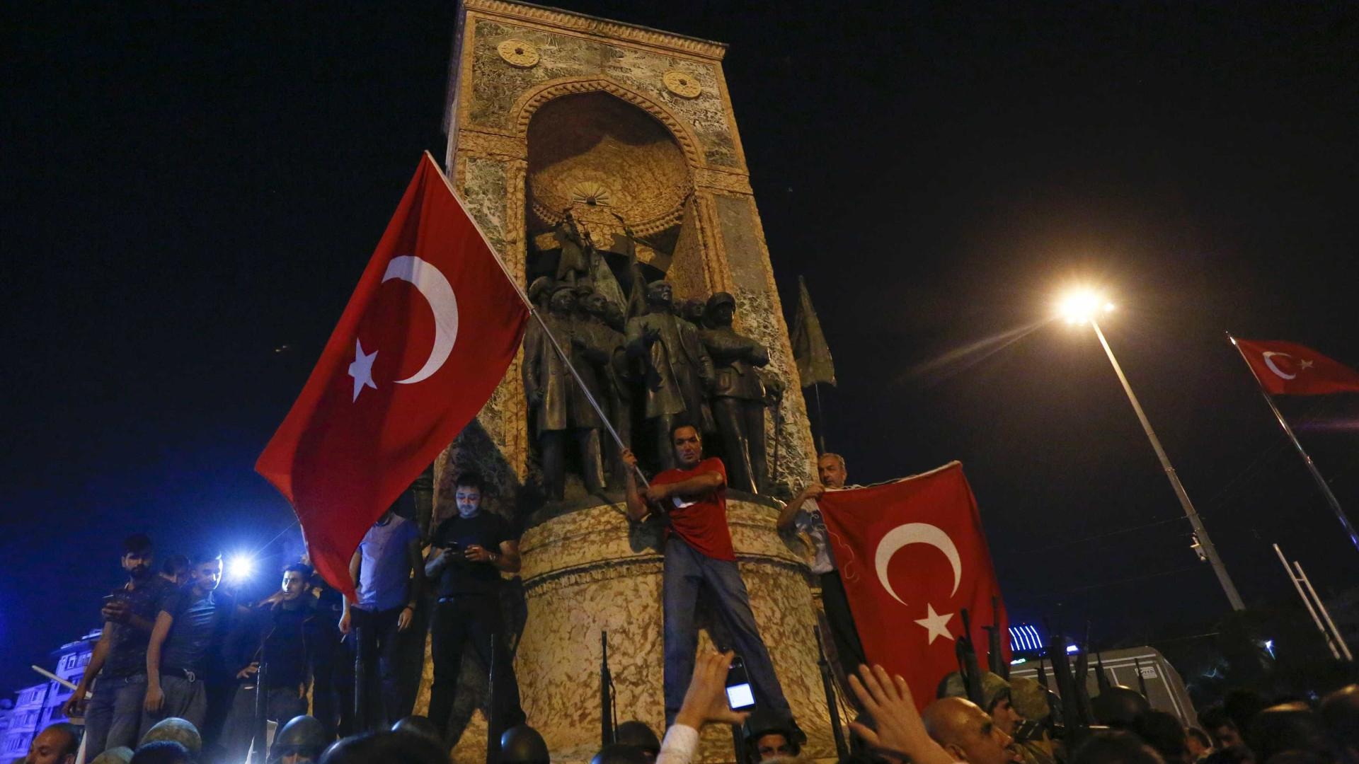 Entenda as tentativas de golpe na história recente da Turquia