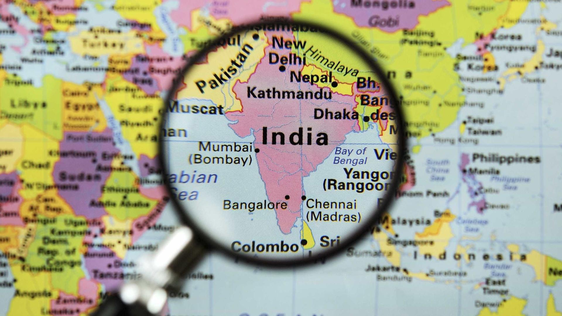 Índia cria força policial só com mulheres para combater crimes sexuais