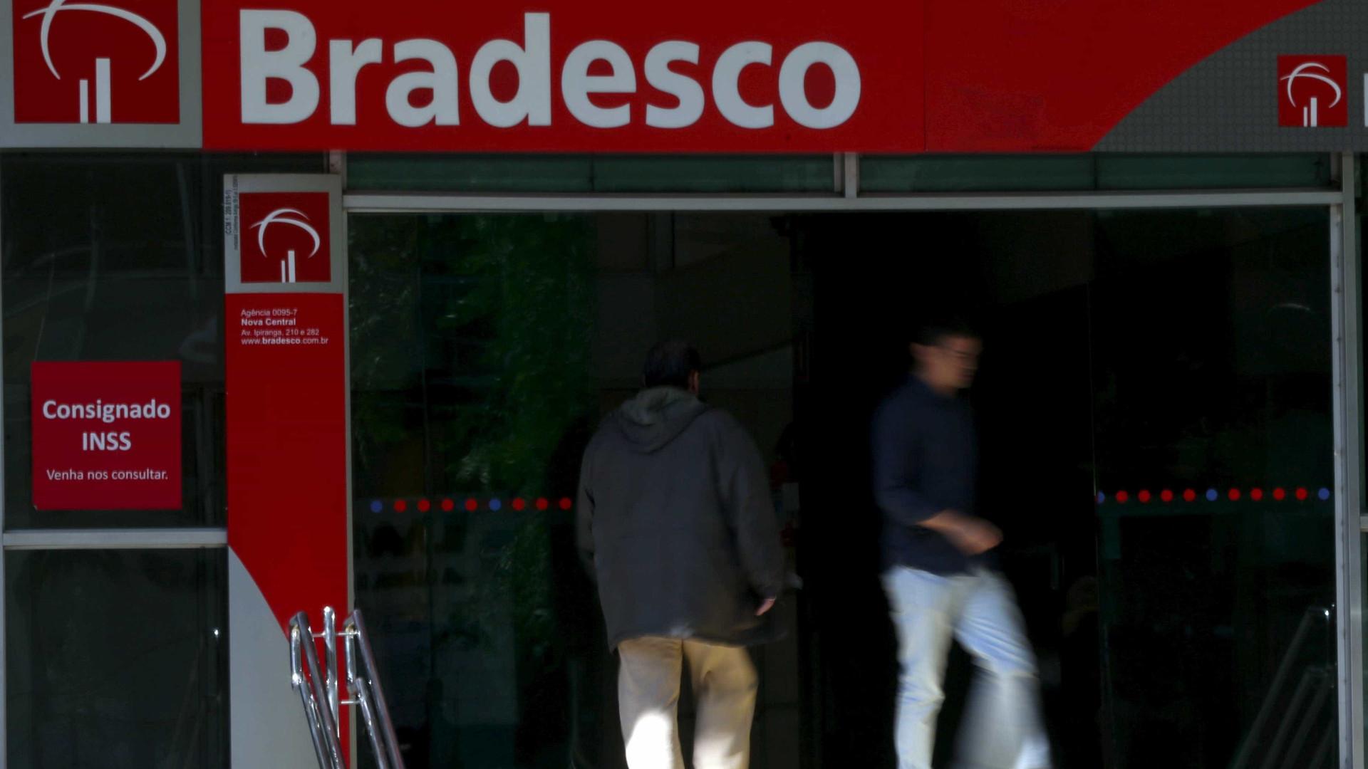 Após migração para Bradesco, clientes  HSBC têm salários atrasados