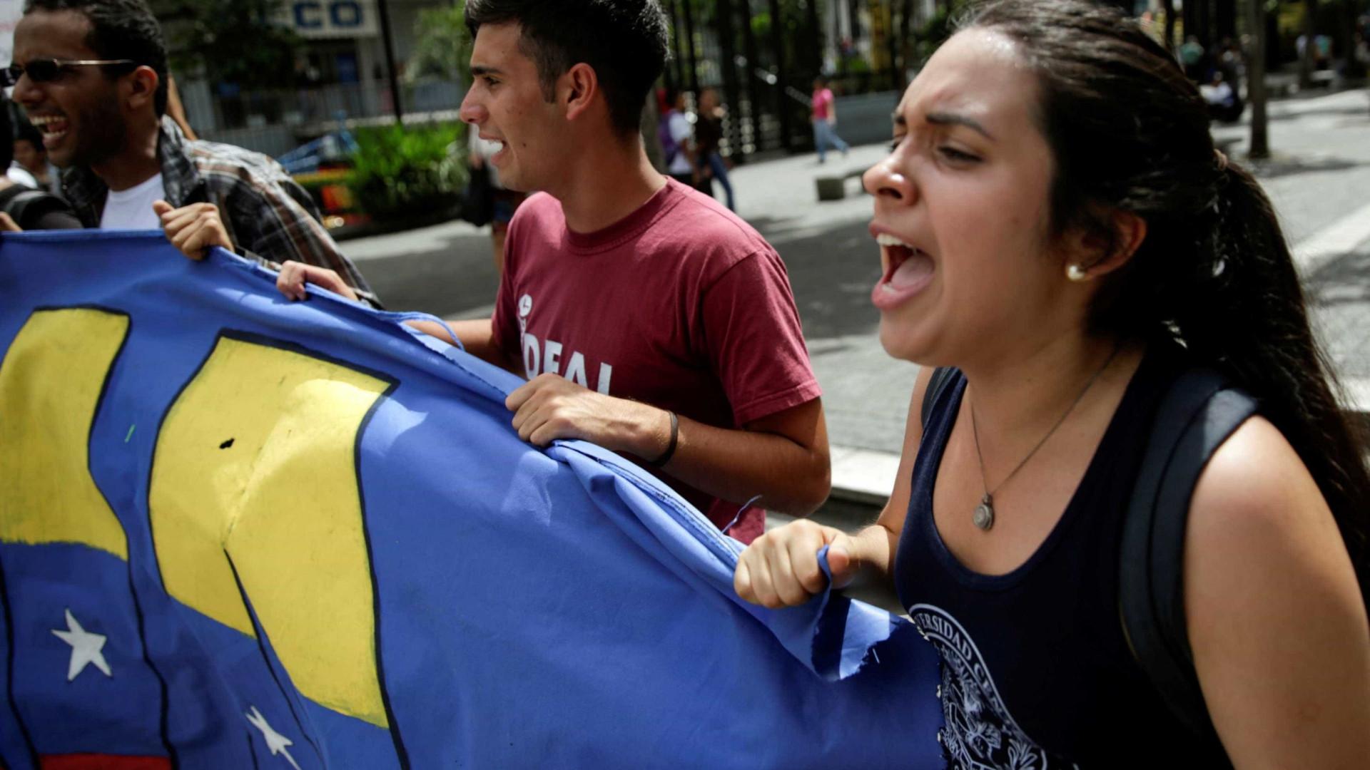 Oposição venezuelana anuncia protestos em vários estados