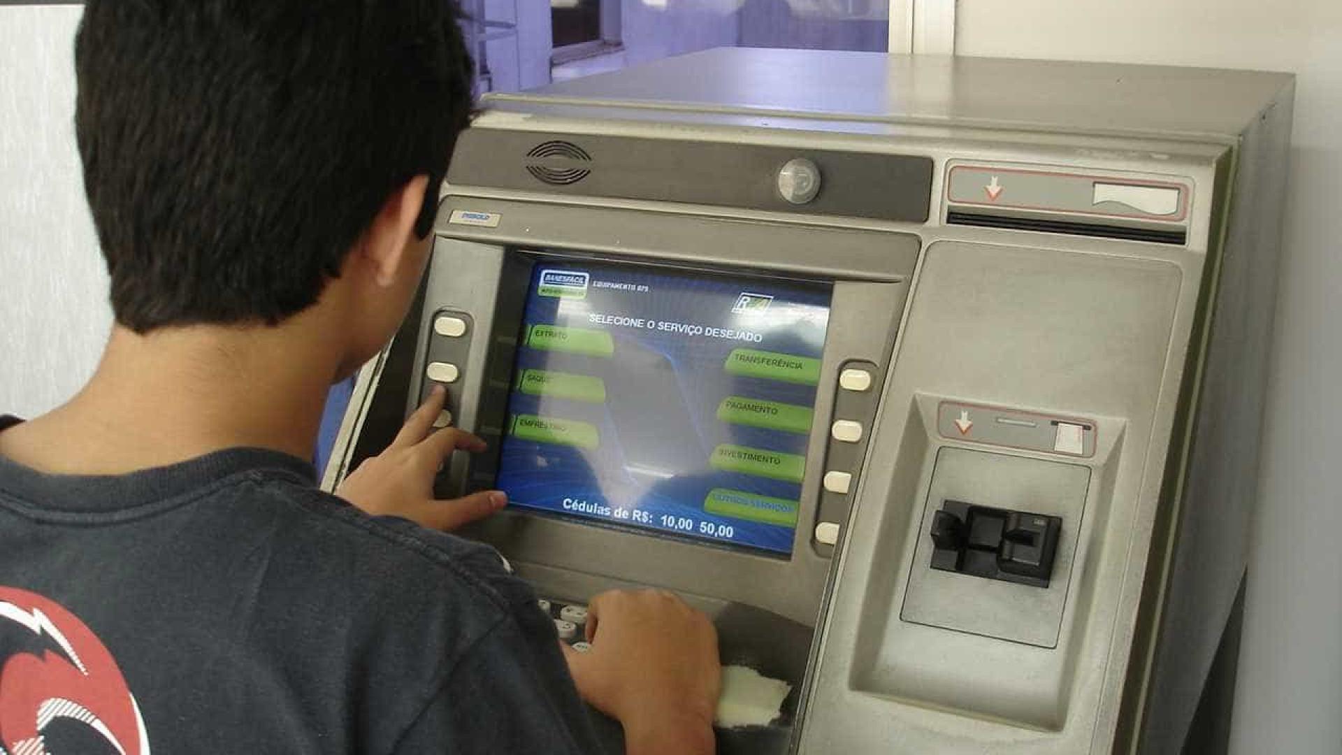 Operação desarticula grupos que roubavam caixas eletrônicos no Rio
