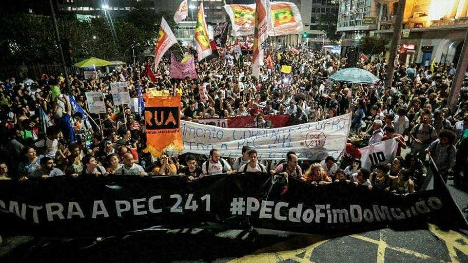 Manifestação contra PEC 241  termina em conflito no Rio