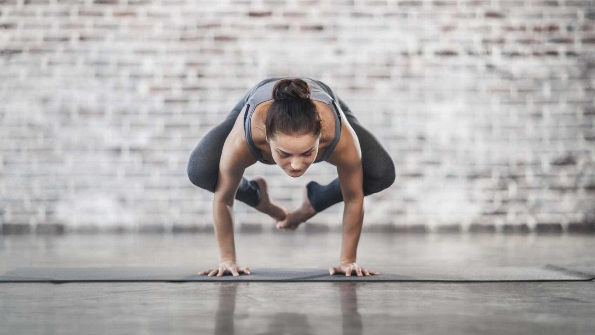 4 erros ao fazer yoga que aumentam o risco de lesão