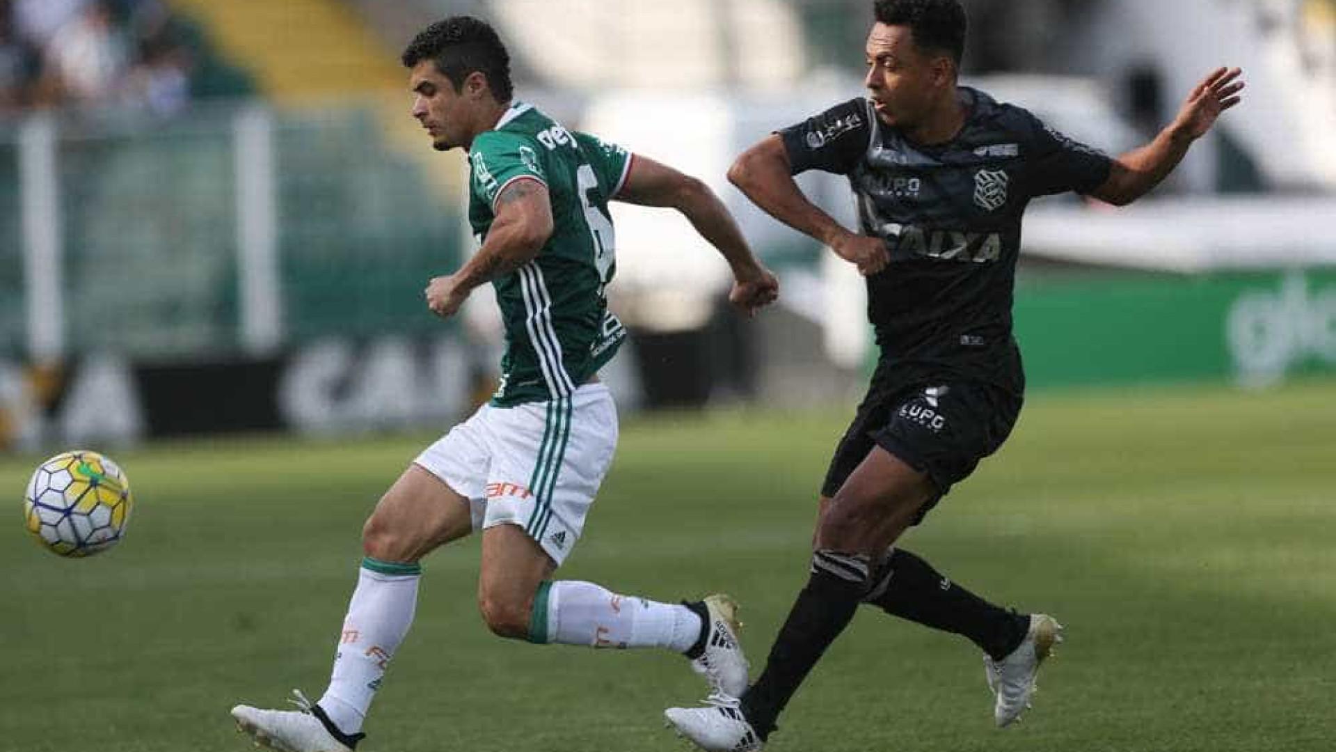 Figueirense entra com ação no STJD para anular jogo com Palmeiras