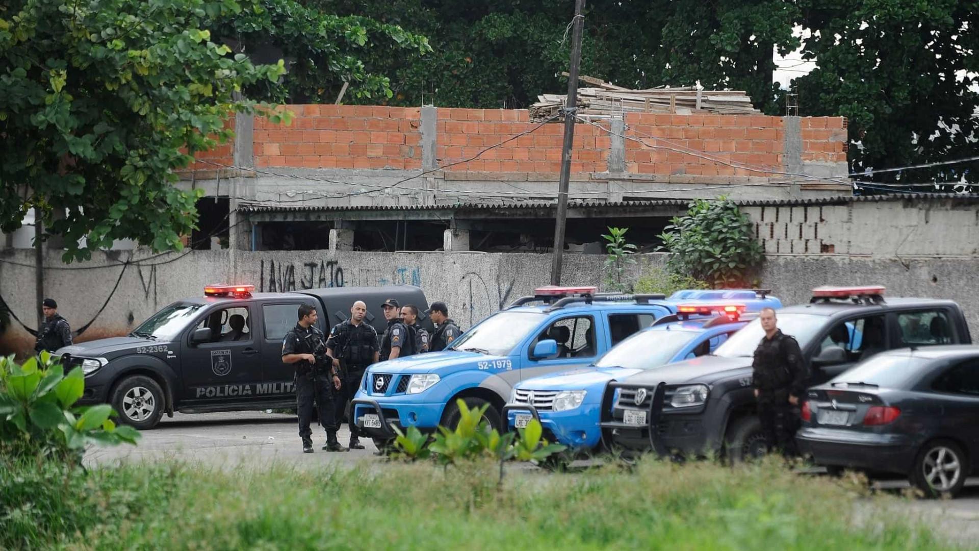 PM chega em casa e encontra família assassinada no RJ