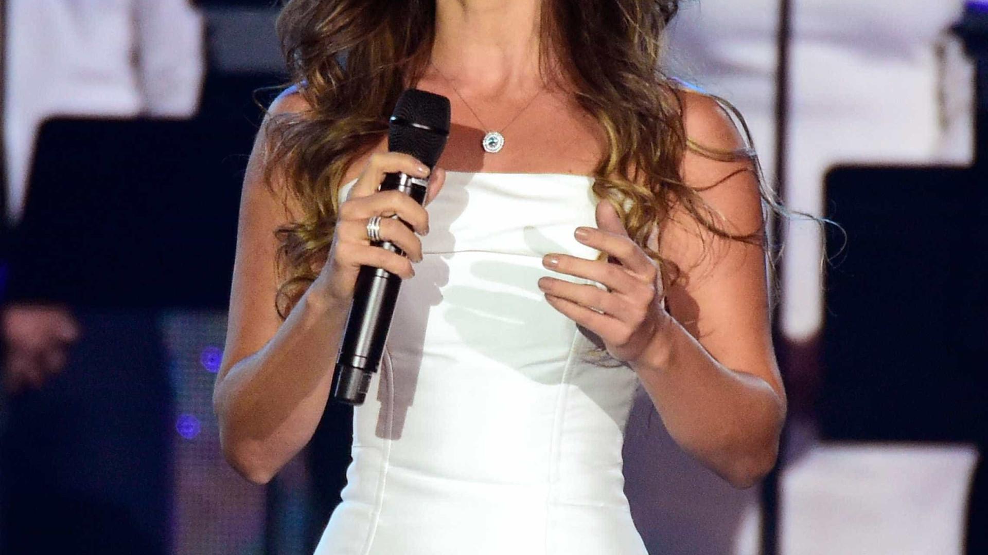"Paula Fernandes dá primeira entrevista após vexame: ""Mereço respeito"""
