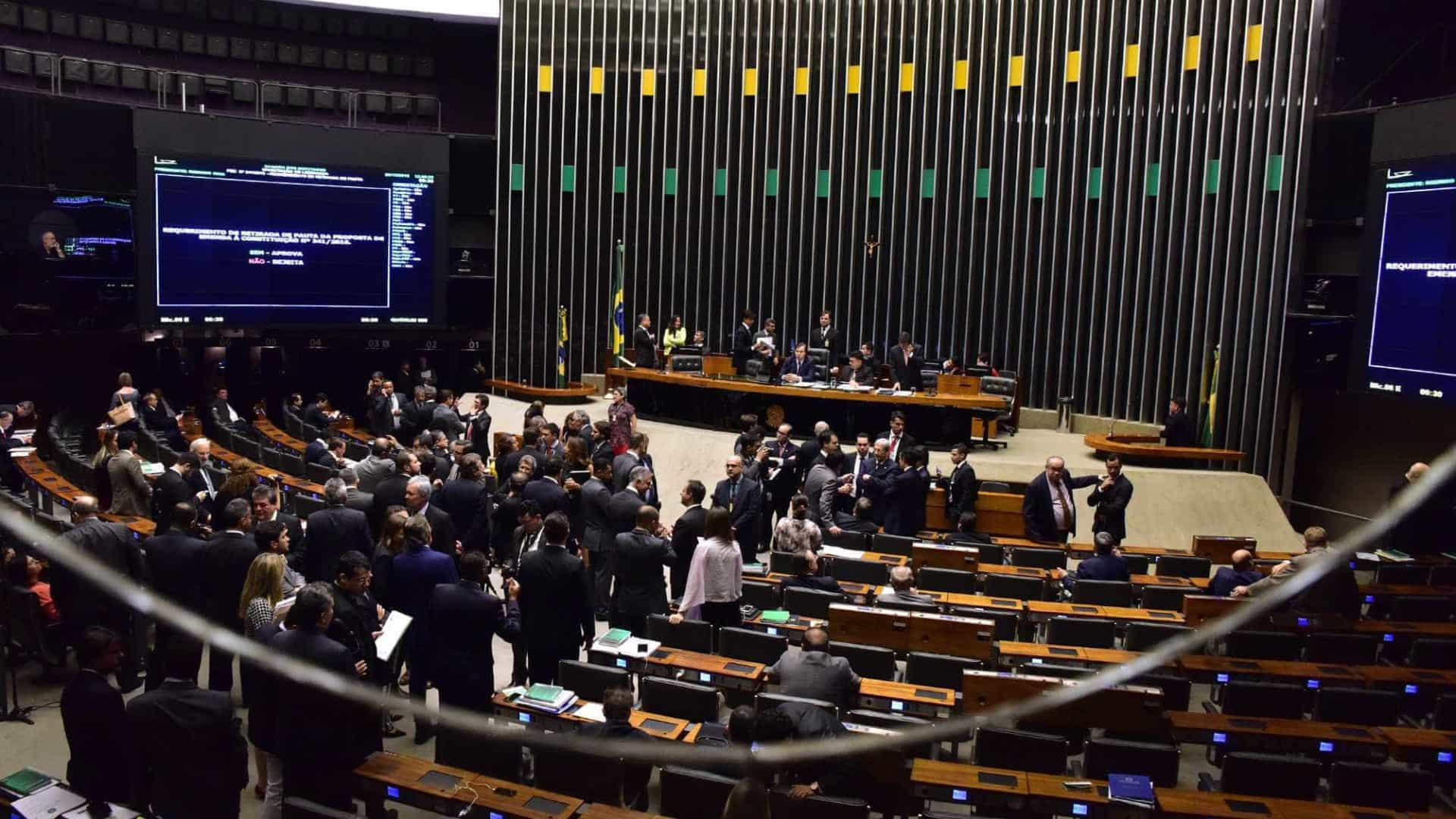 Câmara prevê votar projetos que podem causar rombo de R$ 47 bilhões