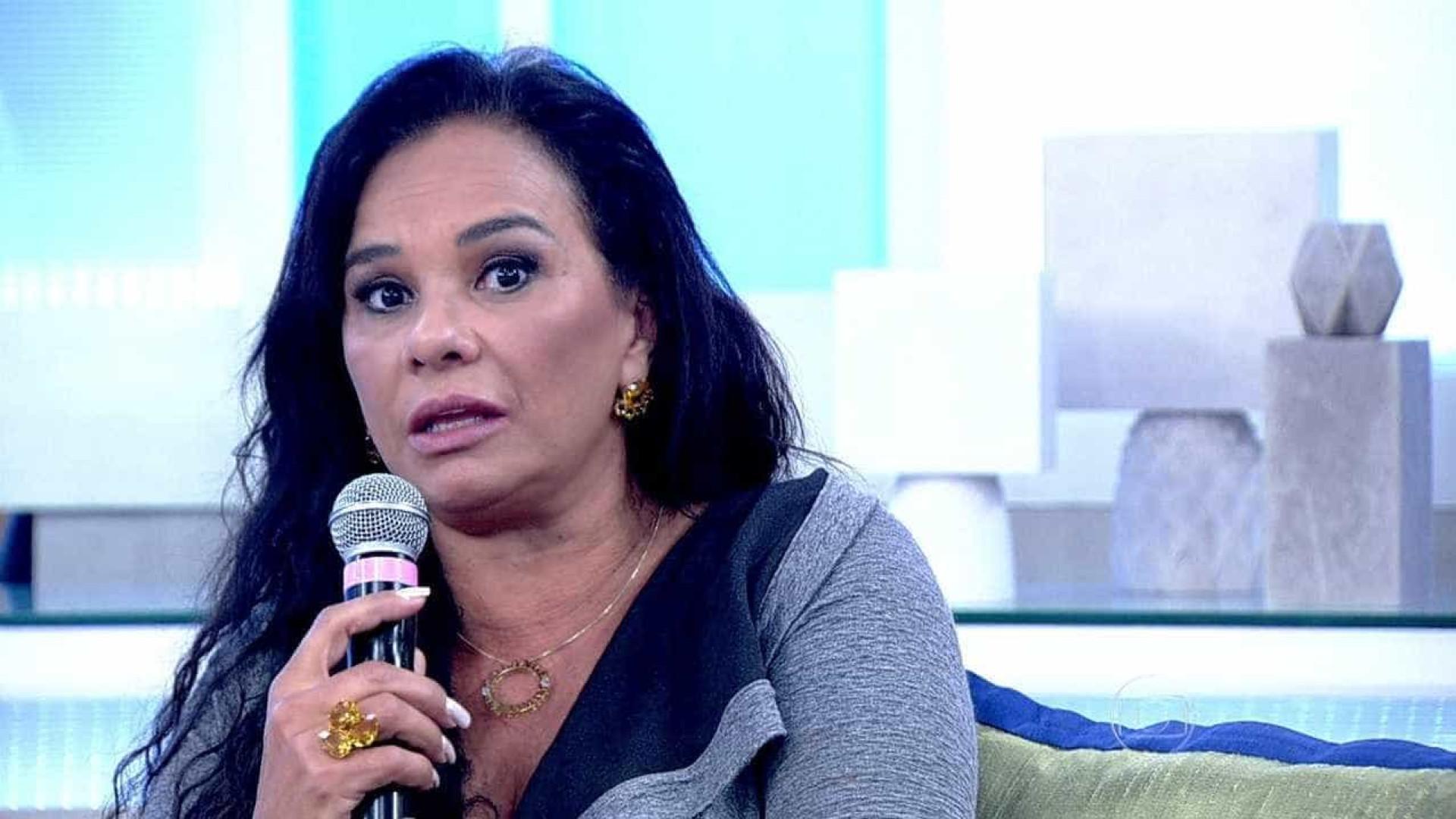 Carro de Solange Couto é roubado e atriz faz apelo nas redes sociais