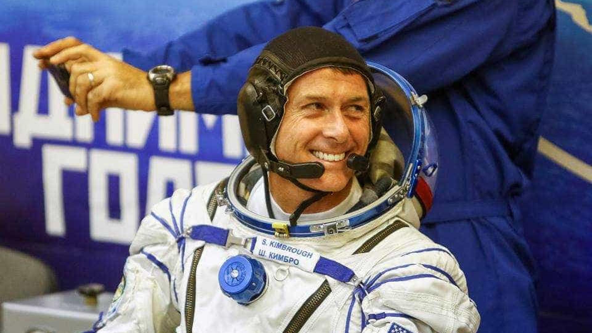 No espaço, astronauta da NASA já votou