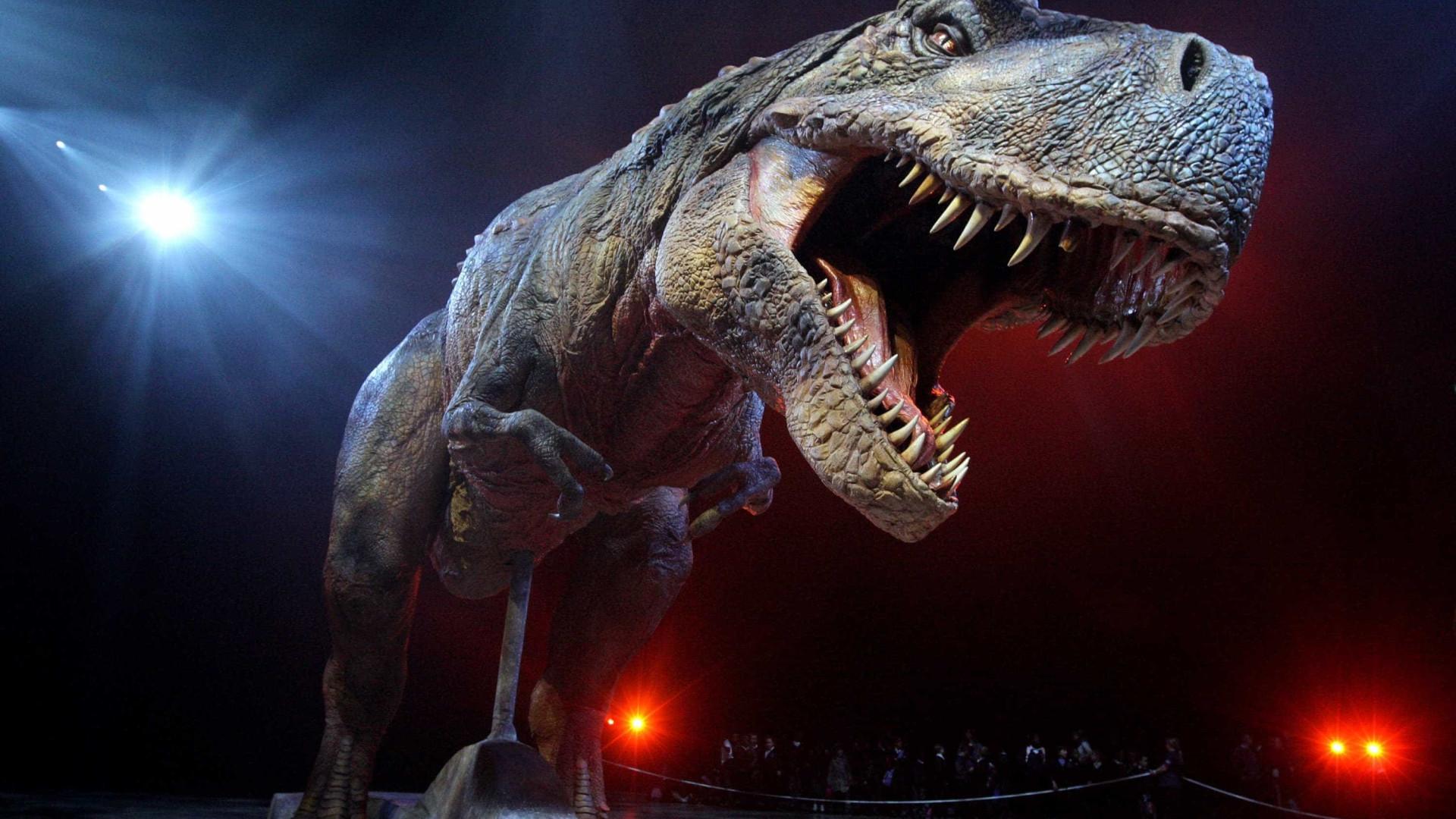 Estudo revela que dinossauros foram extintos por pouco; entenda