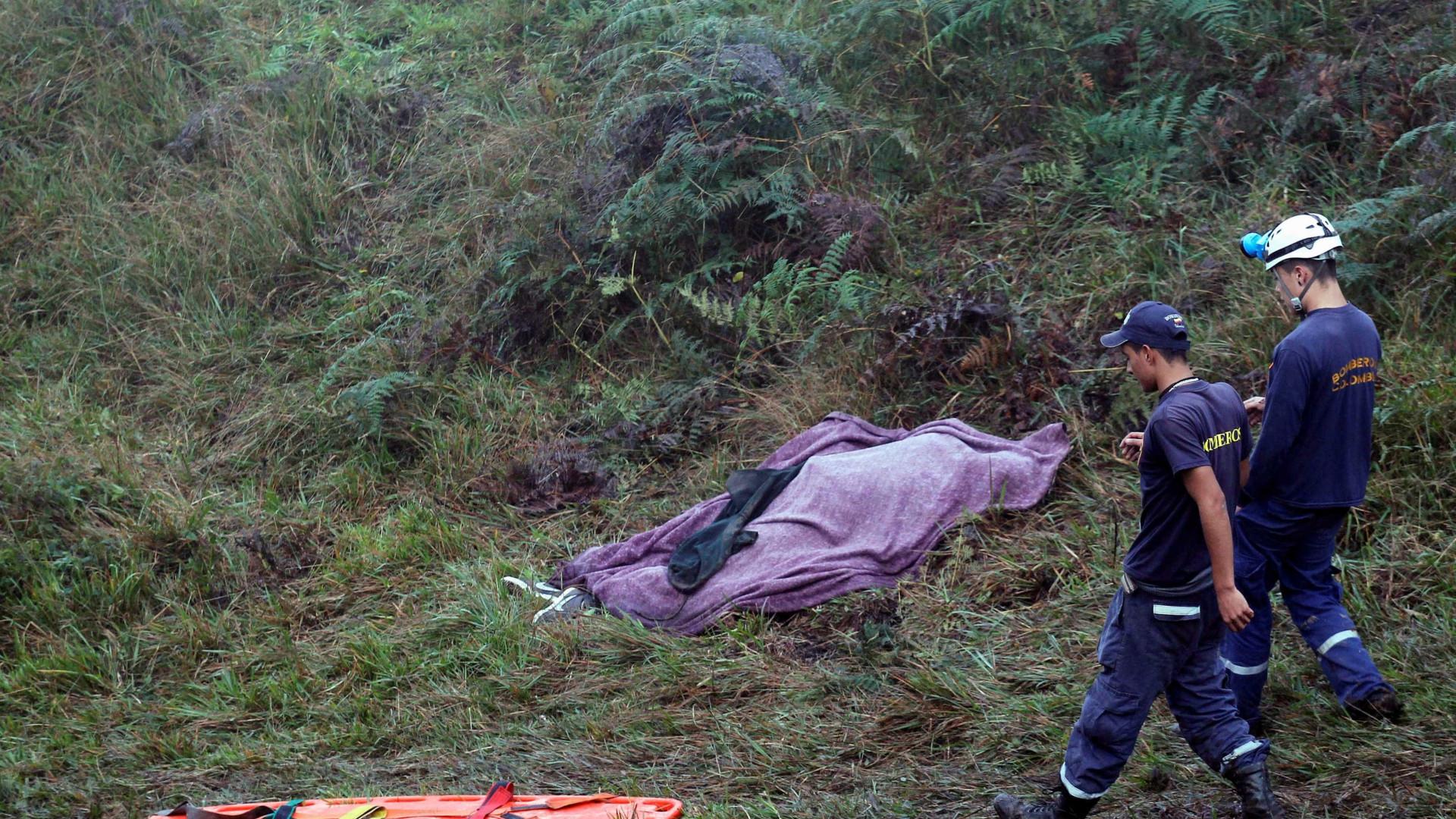 Polícia diz que 72 corpos já foram  resgatados de destroços
