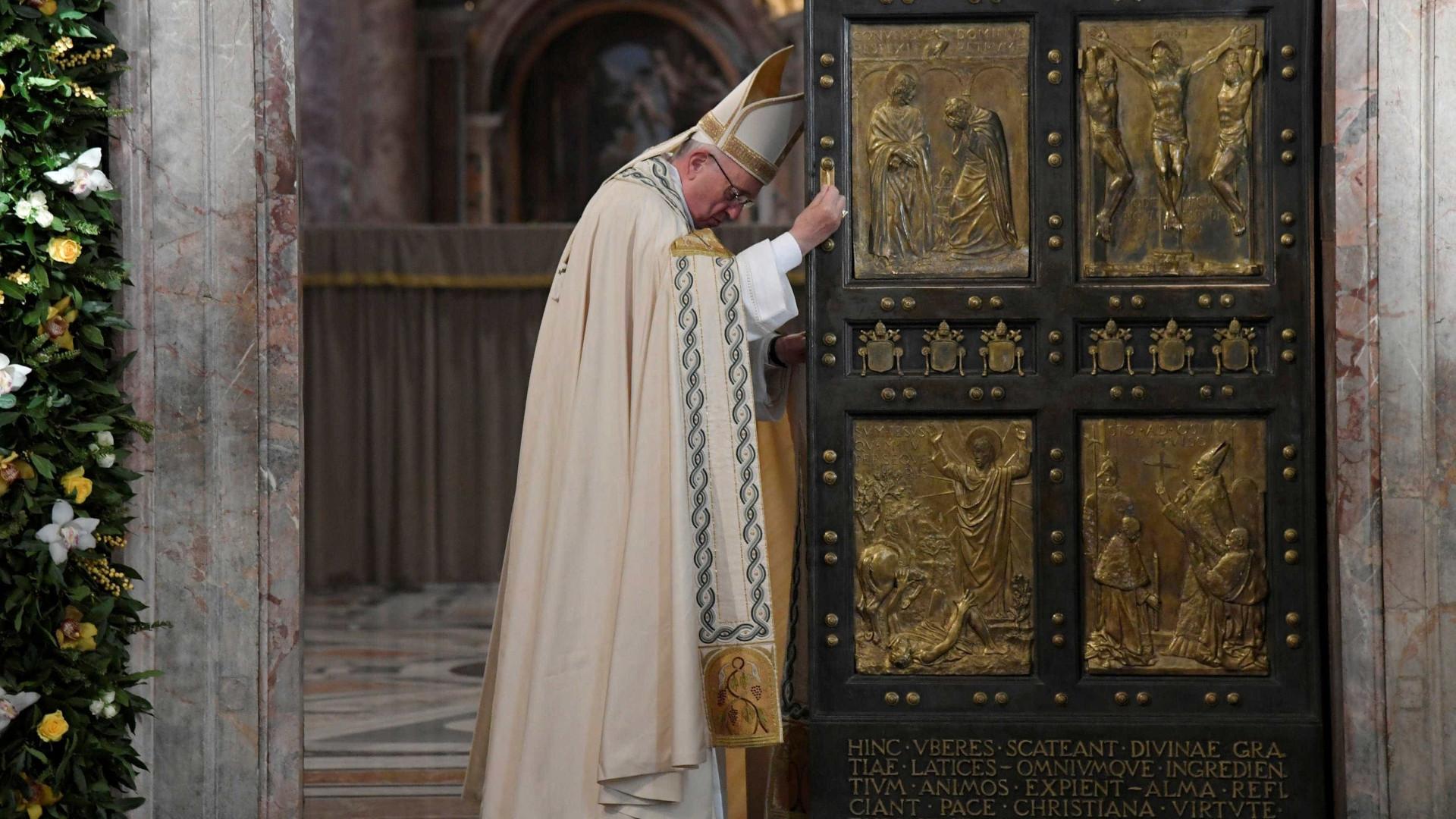 Papa lamenta acidente de avião com a Chapecoense
