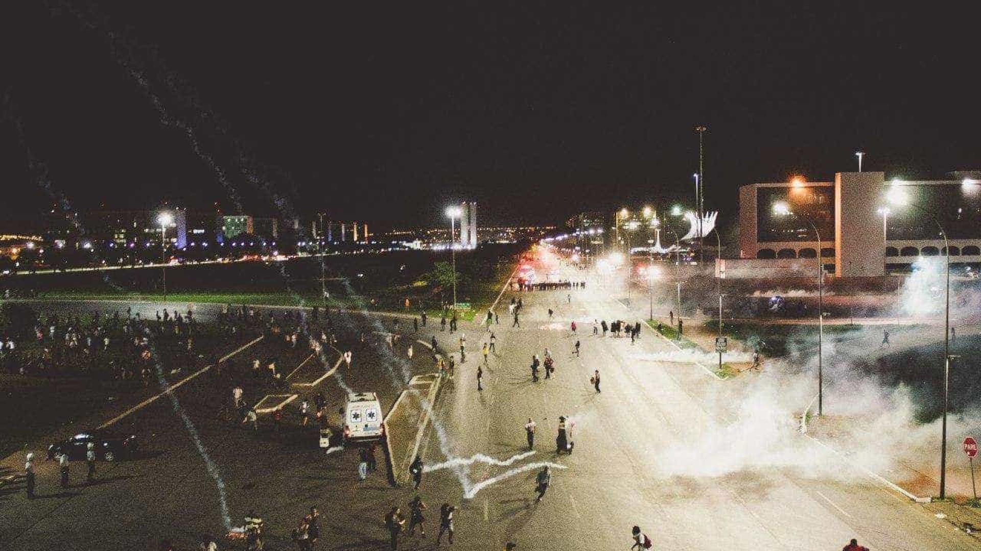 Governo tenta impedir manifestações na Esplanada dos Ministérios