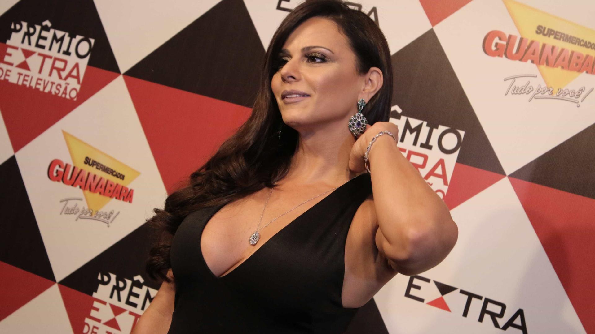 Viviane Araújo esnoba convidada durante premiação, diz colunista