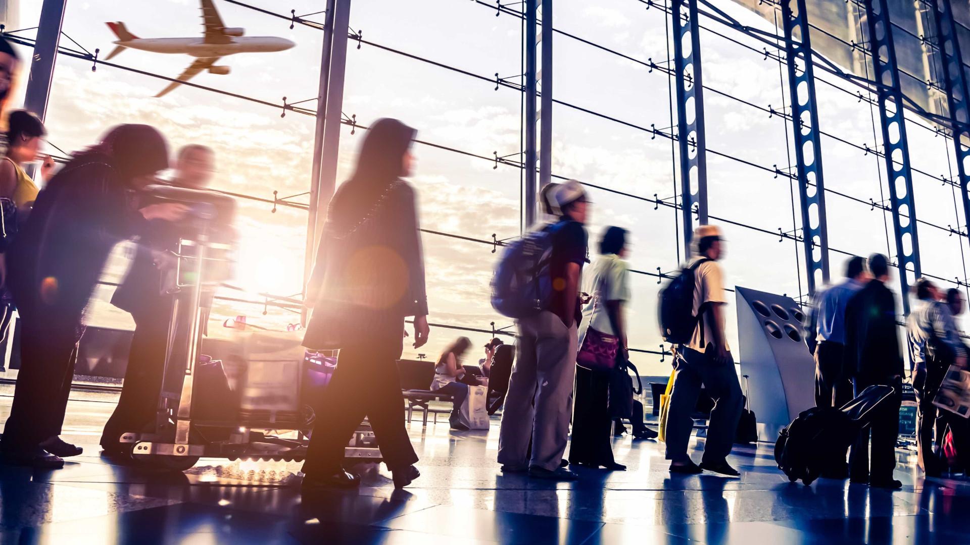 Pesquisa: 34% dos brasileiros querem deixar o país