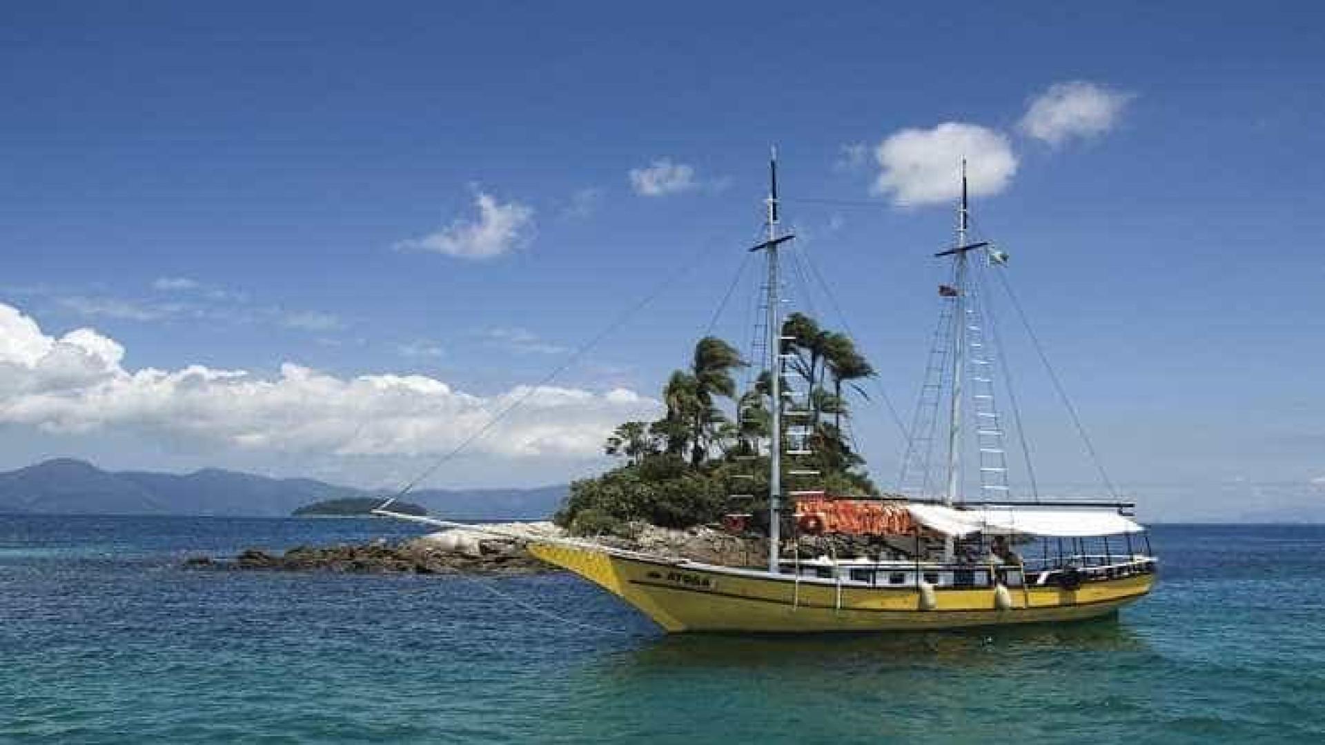 Embarcação naufraga em Angra dos Reis e cinco seguem desaparecidos