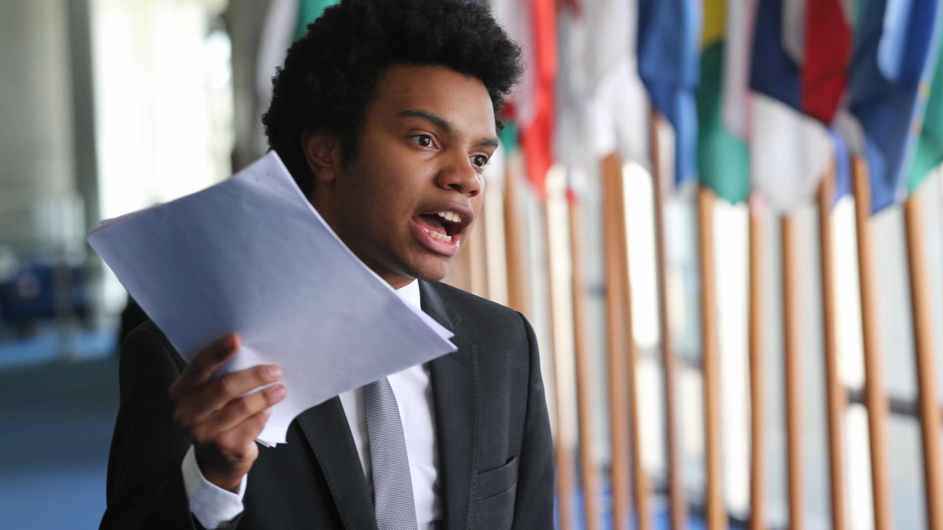 Holiday protocola PL que extingue cotas a negros em concursos públicos