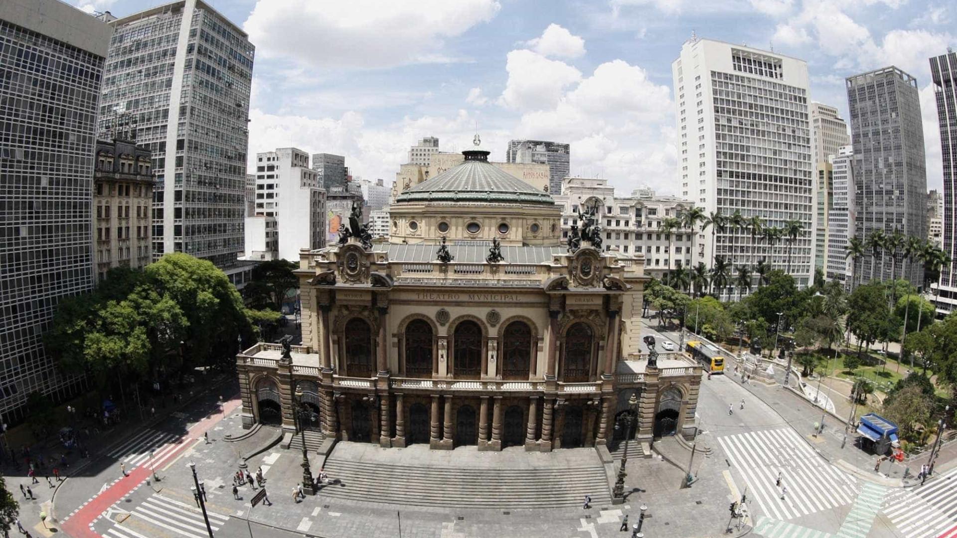 SP pede devolução de R$ 641 mil pagos a empresas pelo Theatro Municipal