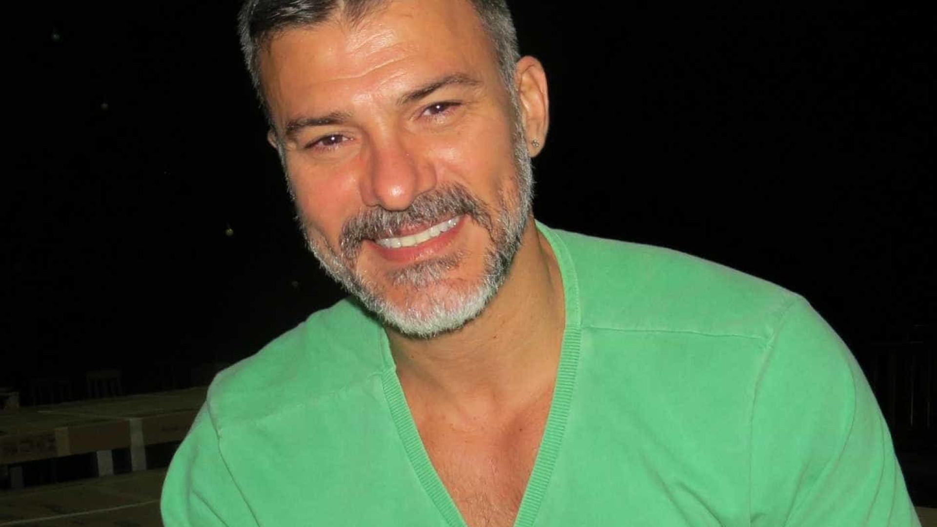 Leonardo Vieira divulga carta aberta e desabafa: 'Não escolhi ser gay'