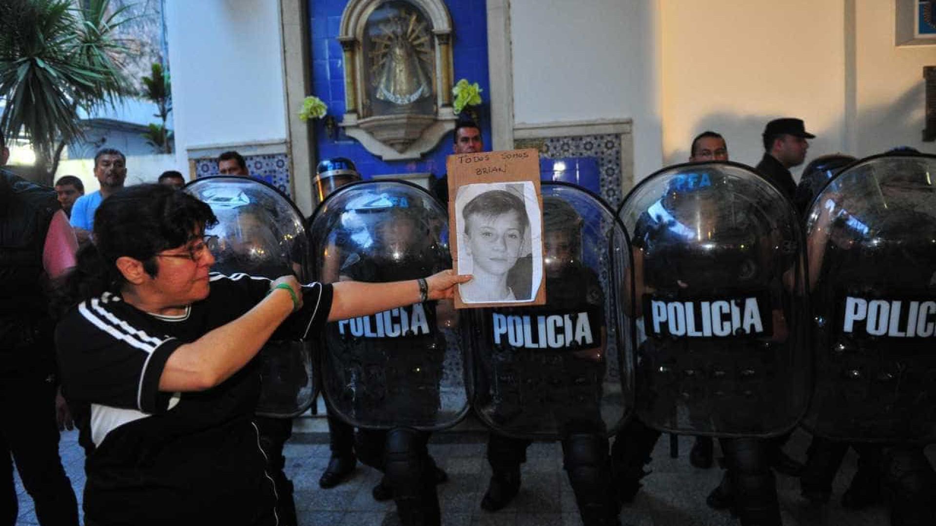 Argentina discute reduzir maioridade  penal após crimes de adolescentes