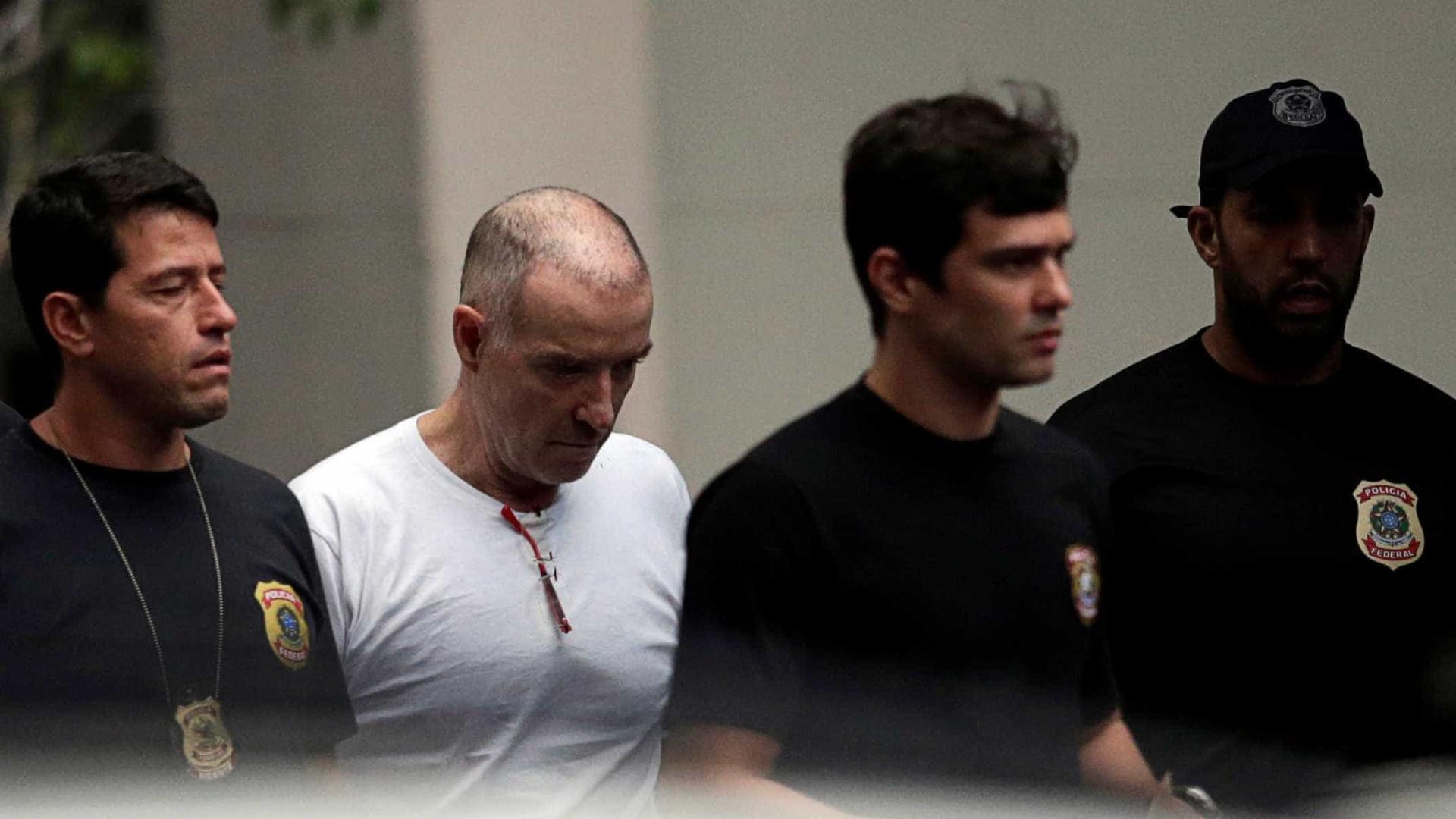 Eike Batista chega com advogado à Justiça Federal para depor