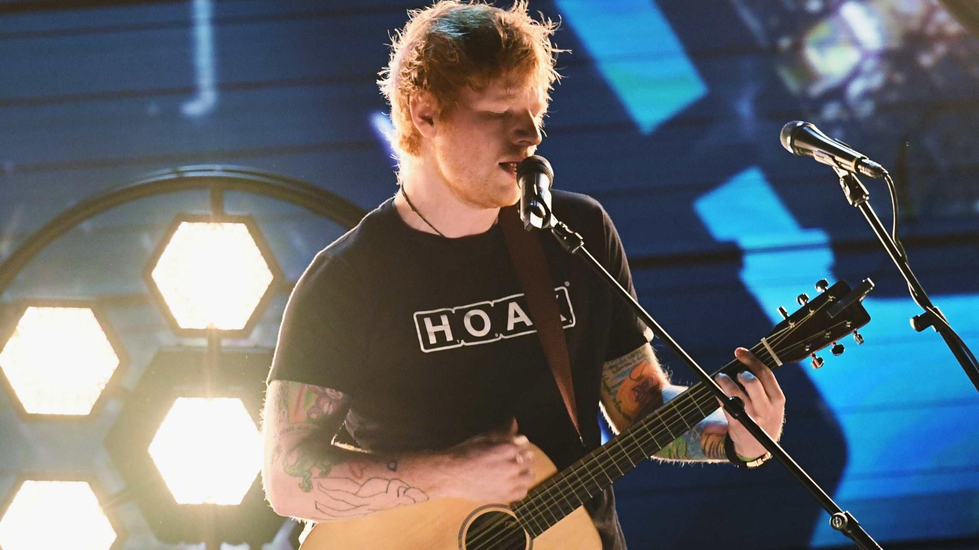 Ed Sheeran é celebrado por  Taylor Swift ao entrar na lista da Time