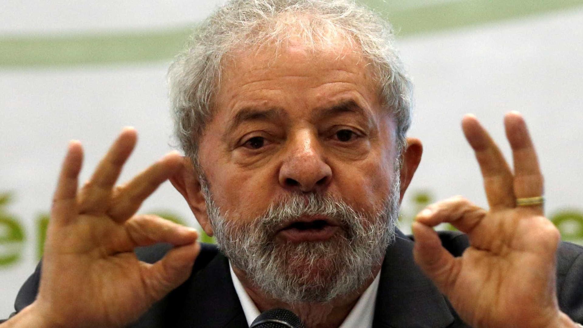 Lula e filho arrolam 52 testemunhas em  ação sobre lavagem de dinheiro