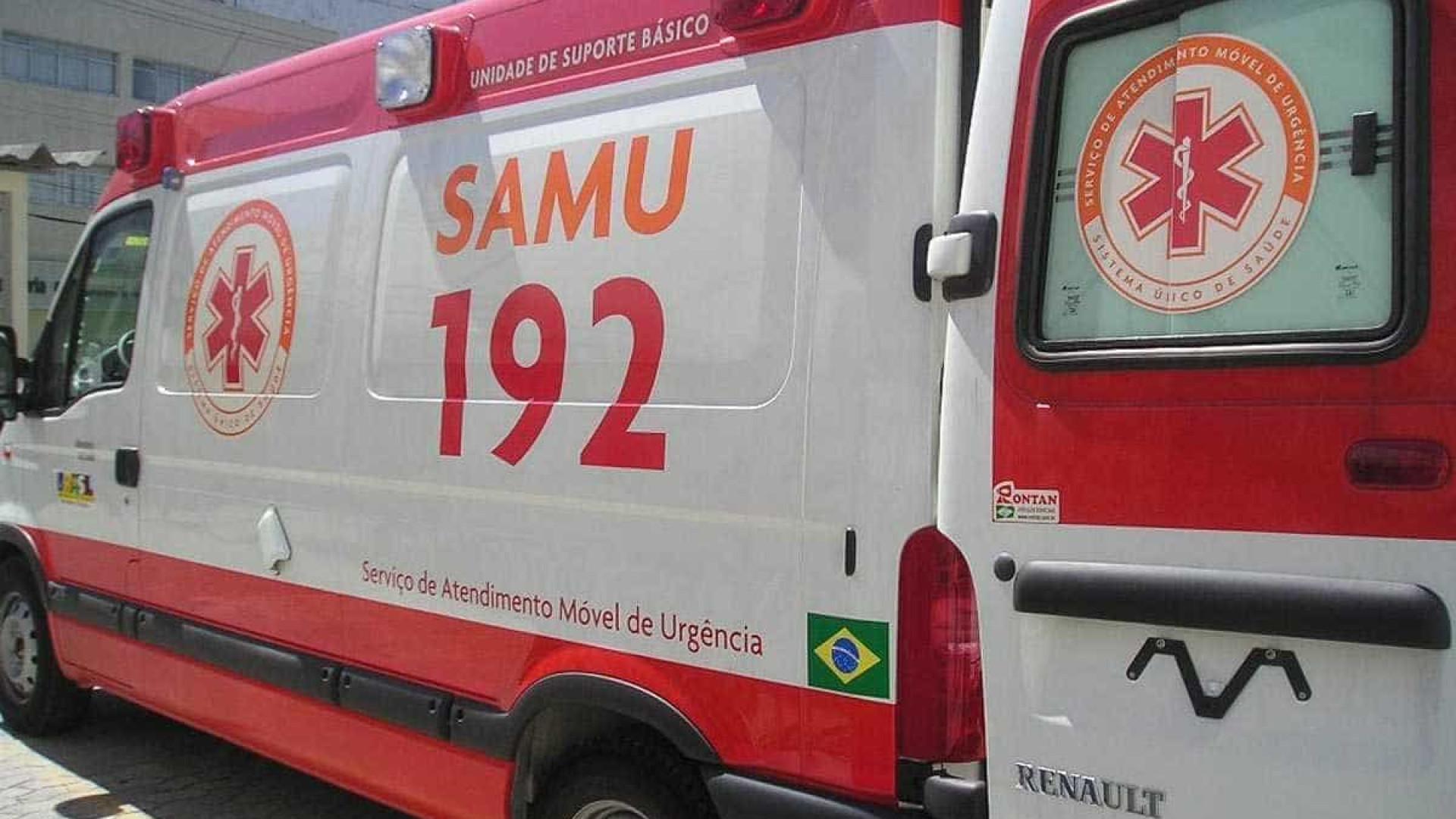 Acidente entre van escolar e caminhão deixa 15 feridos; 9 são crianças