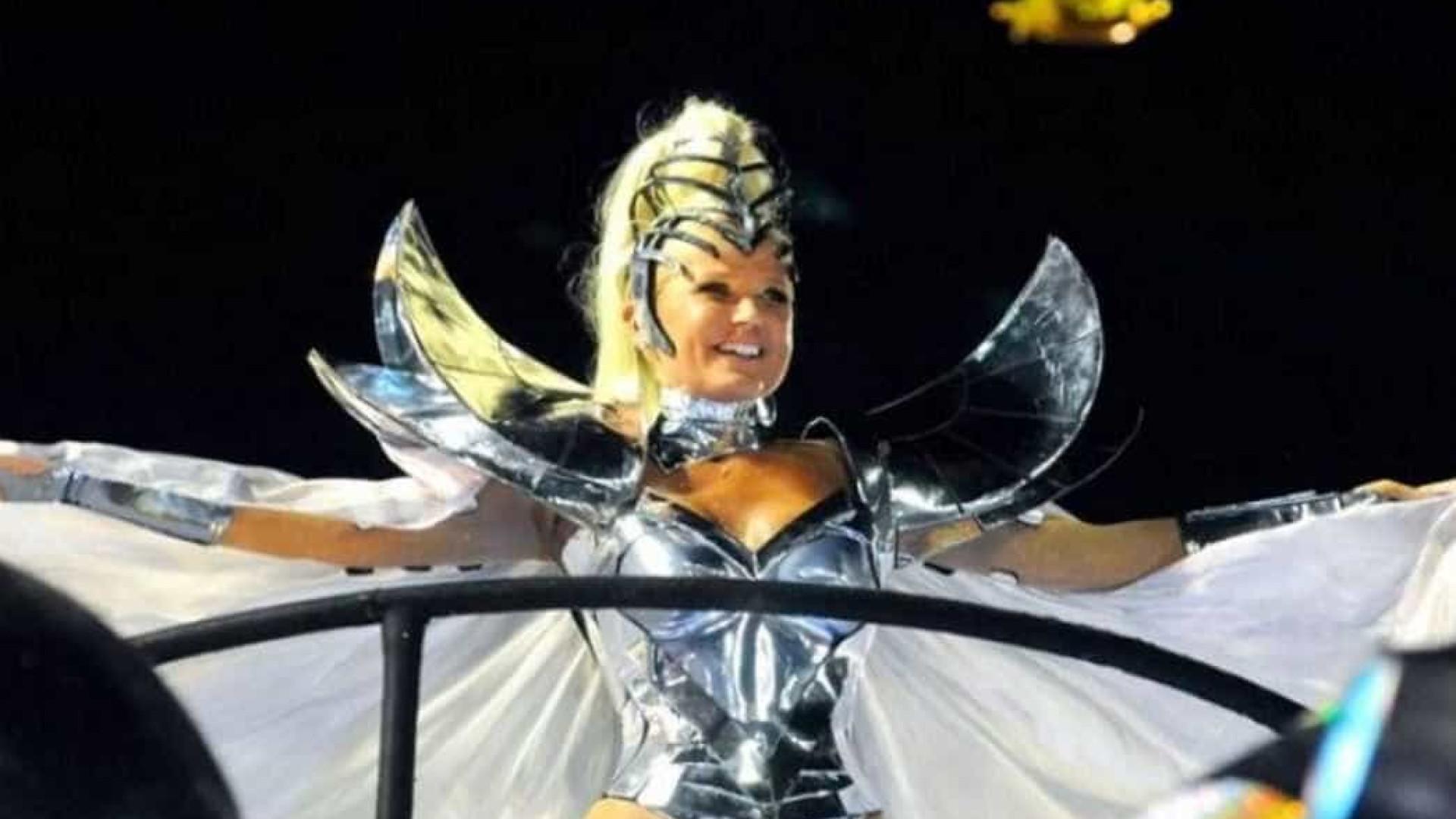 Ignorada pela Globo, desfile com Xuxa ganha imprensa internacional