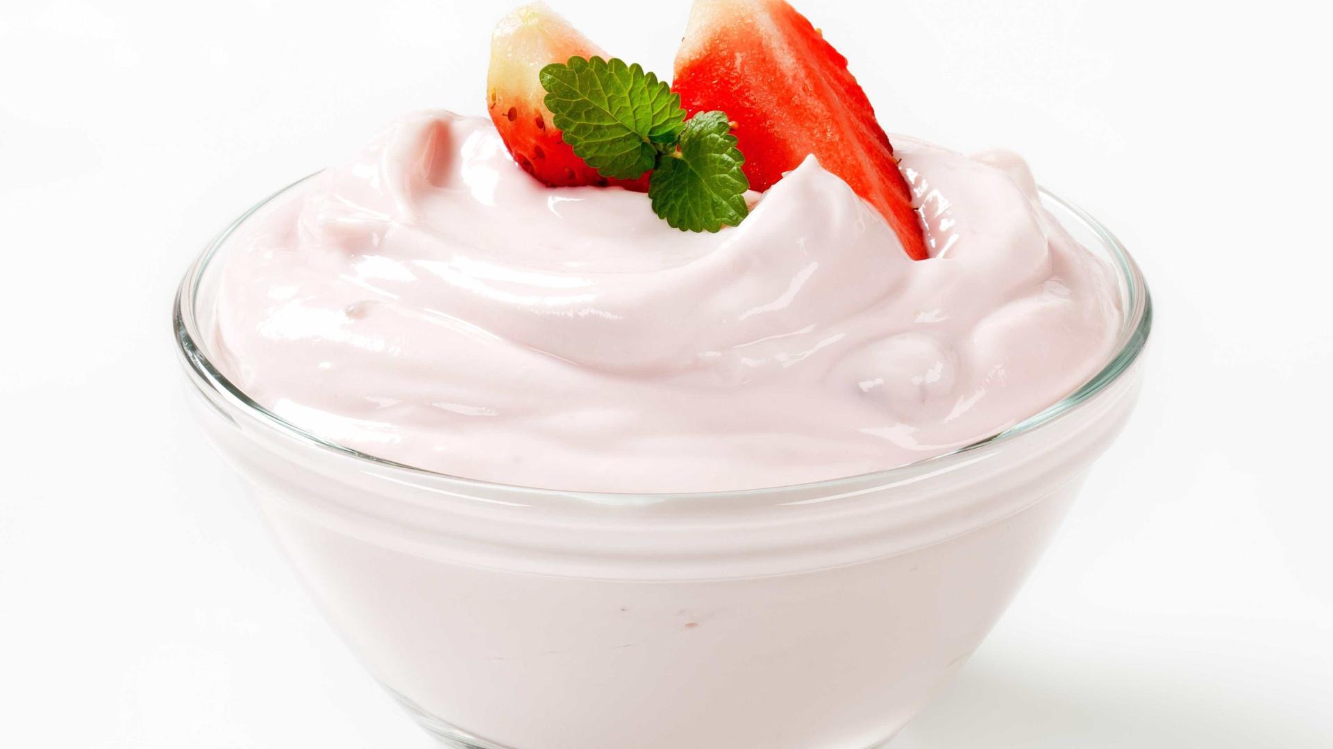 Aprenda a fazer iogurte tipo Petit Suisse de litro em casa