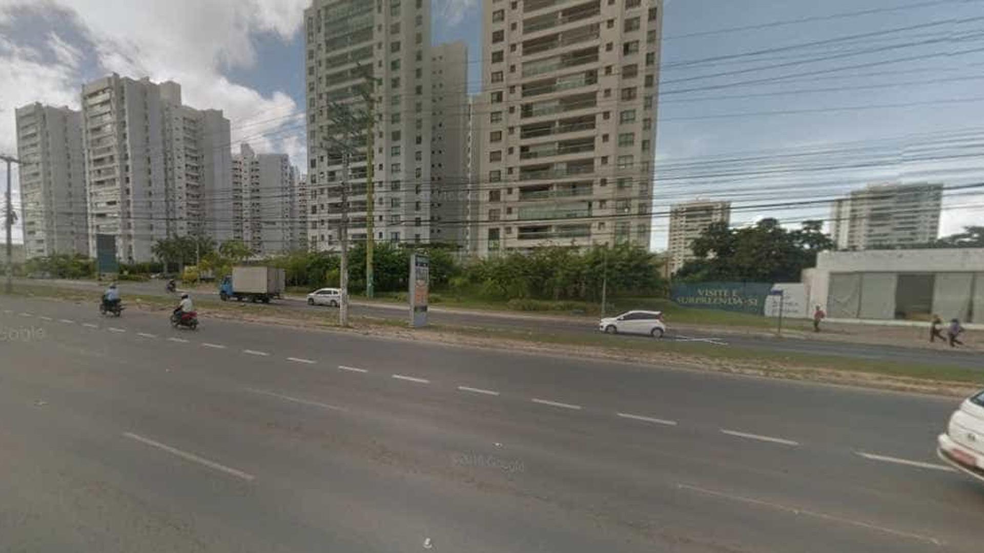 Assalto a ônibus deixa passageiro morto em Salvador