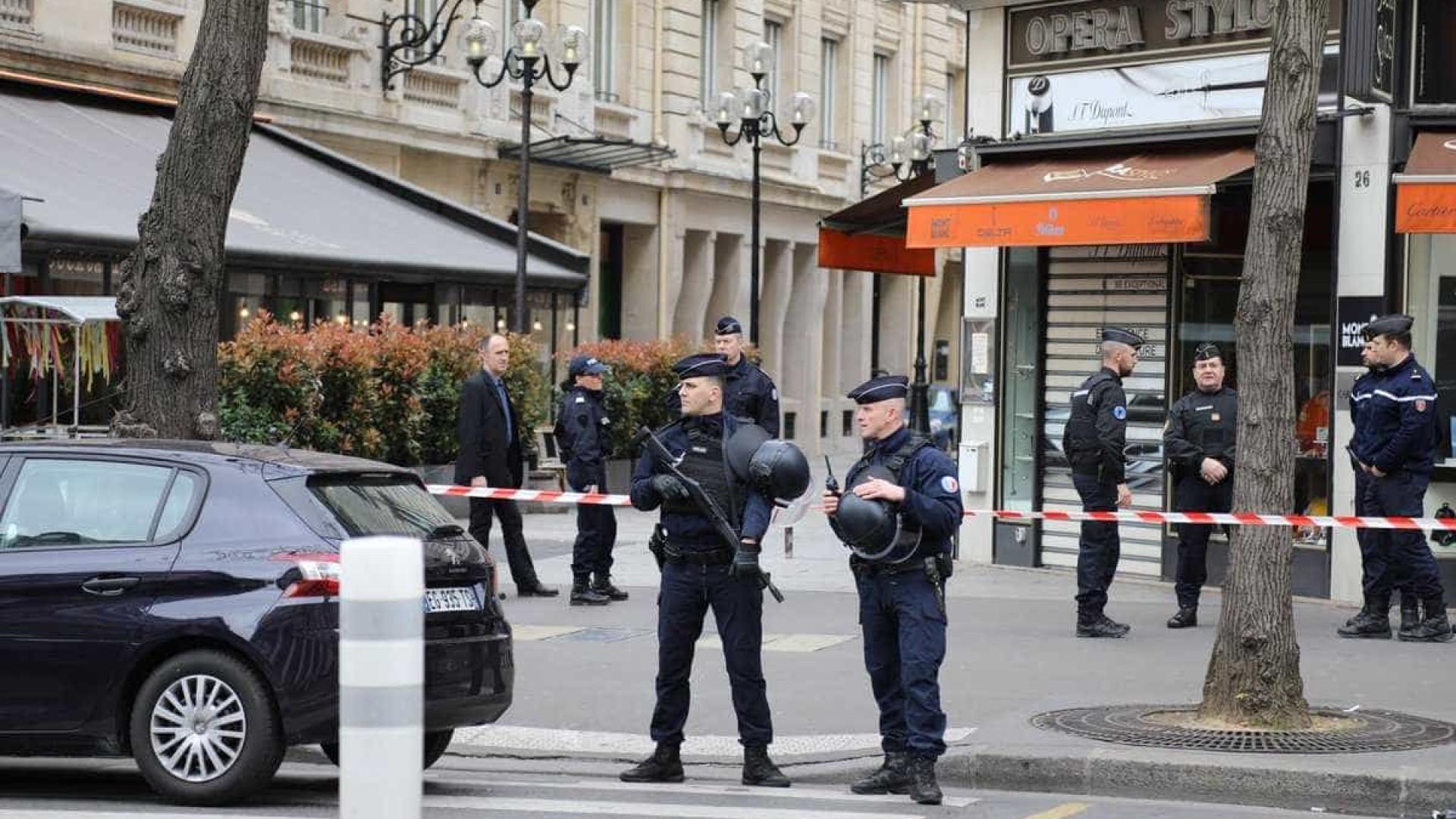 Tribunal em Paris é evacuado  por alerta de bomba nesta segunda