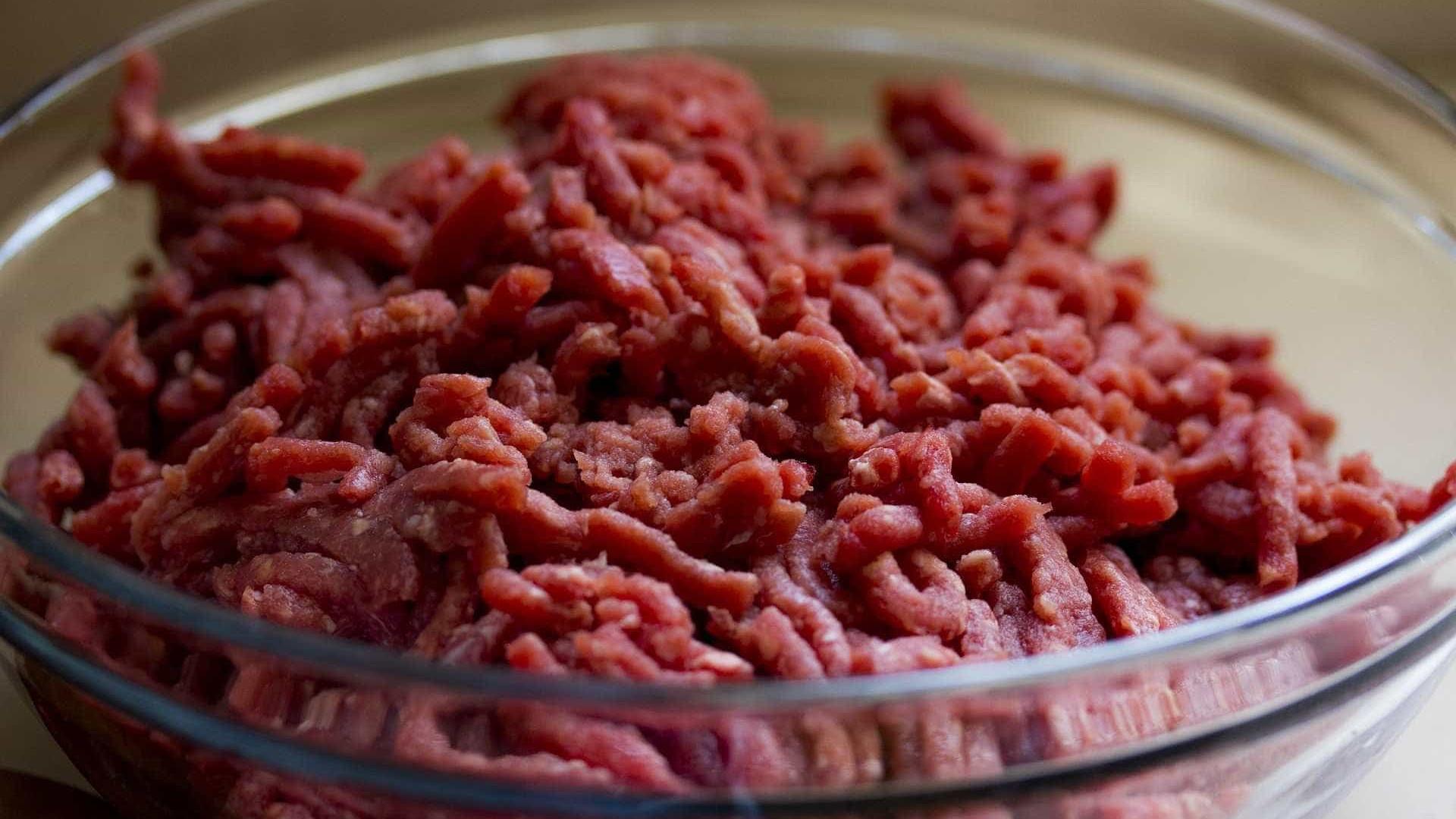 Escolas de SP suspendem carne na merenda após investigações