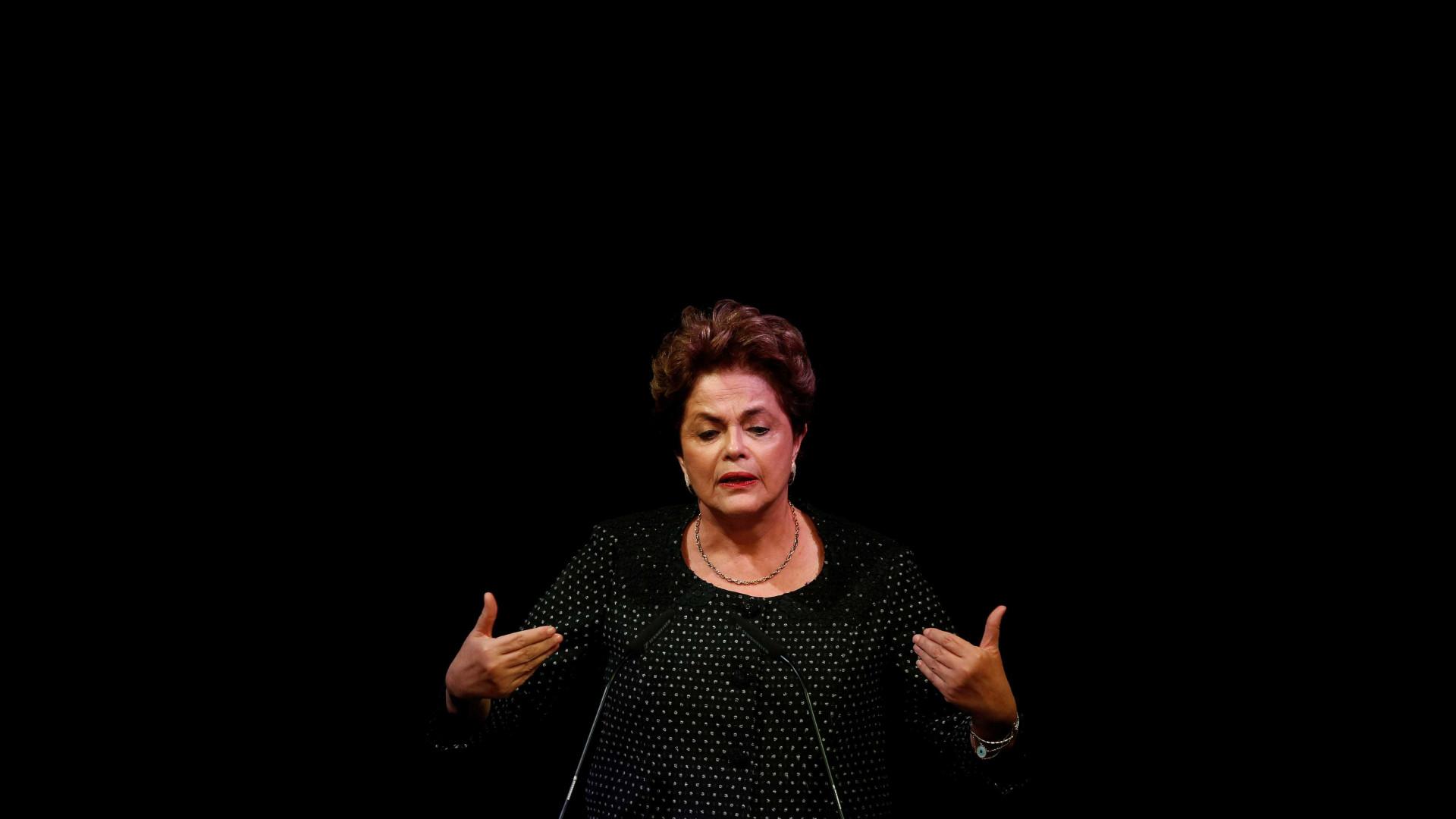 Dilma: preso ou solto, condenado ou absolvido, Lula reconstruirá o país
