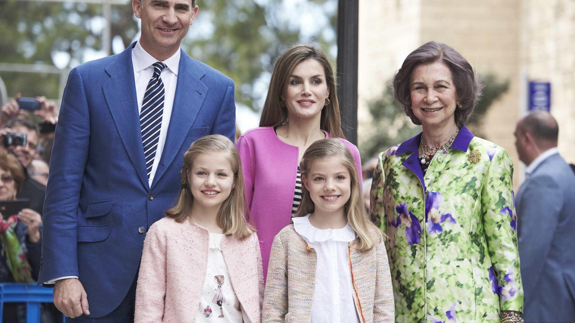 Vídeo: Rainha Sofia e Letizia se desentendem em público na Espanha