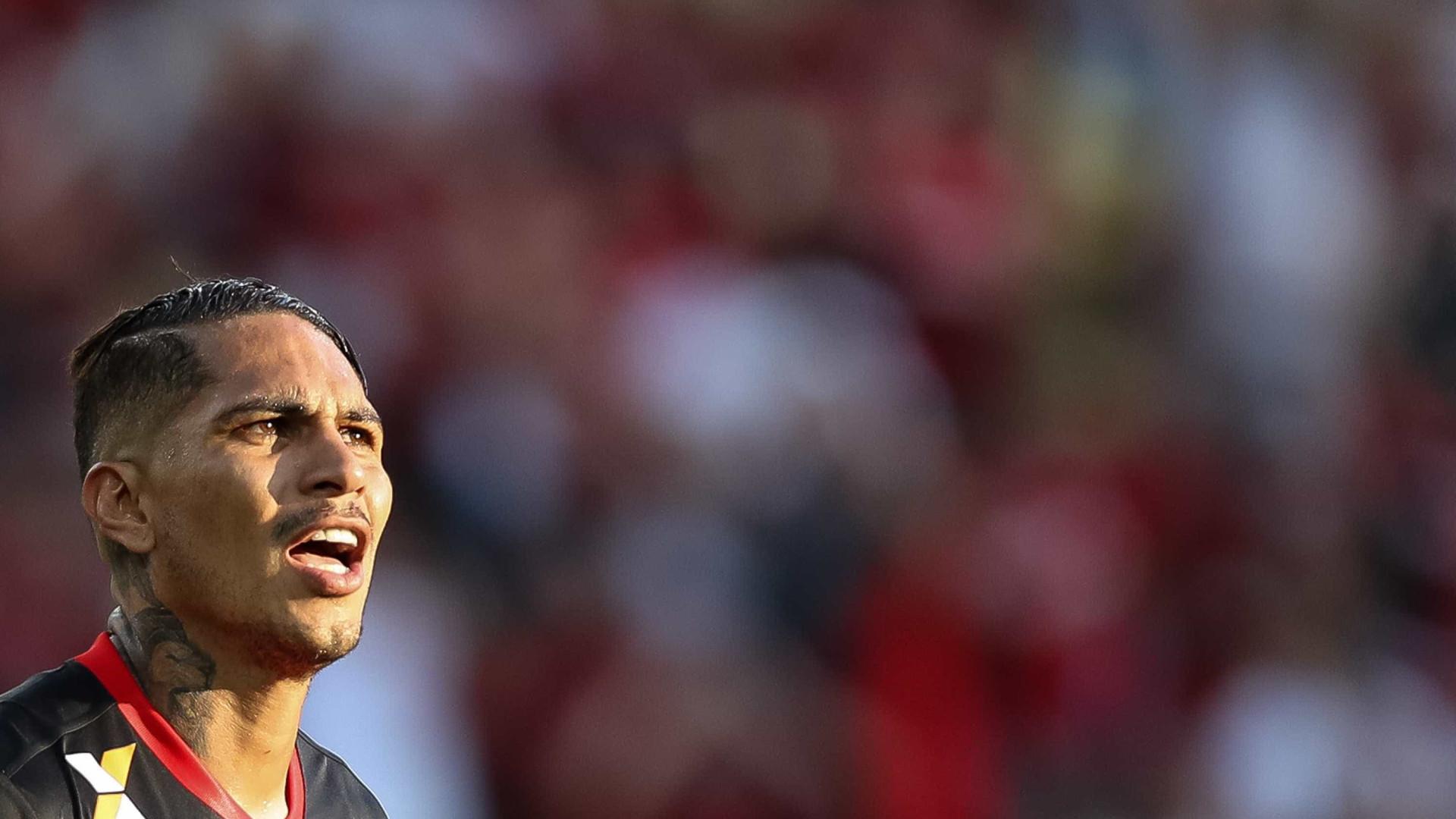 Fifa suspende Guerrero por 30 dias após testar positivo em doping
