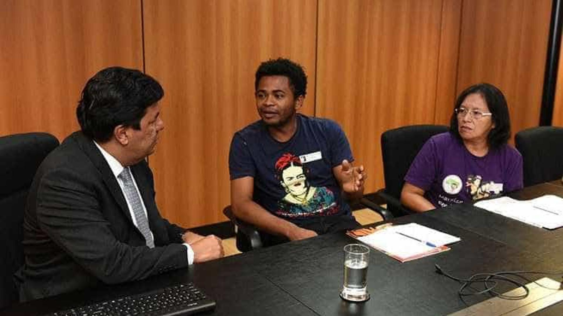 Ministério discute educação no campo com representantes do MST