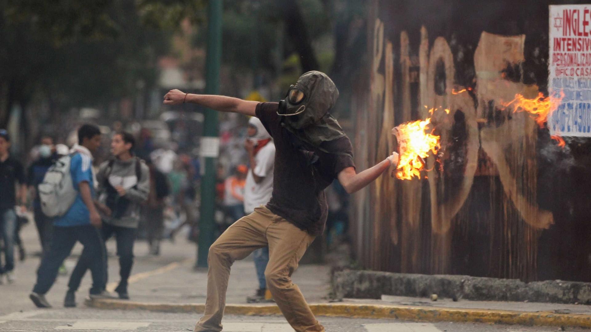 Clima na Venezuela intensifica em 7º dia de protestos