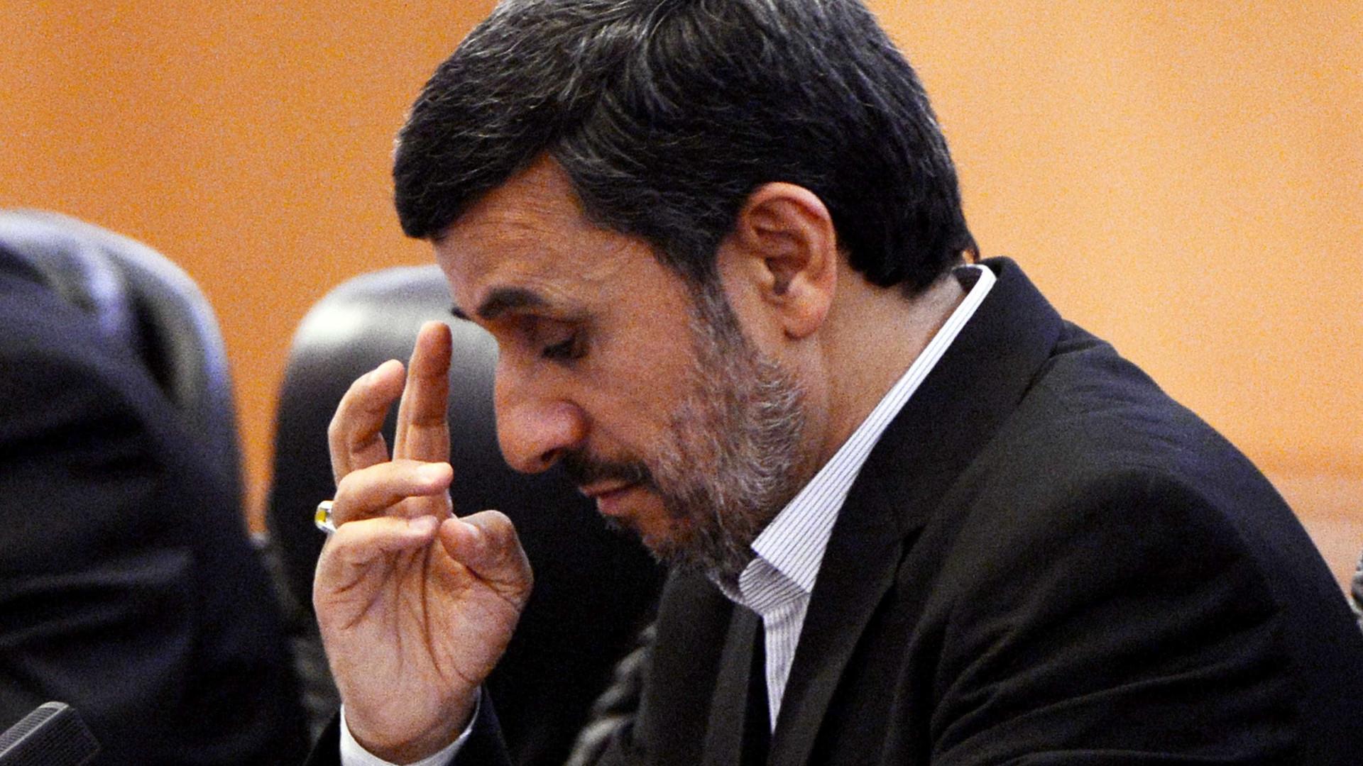 Irã inicia corrida presidencial  com veto a Ahmadinejad