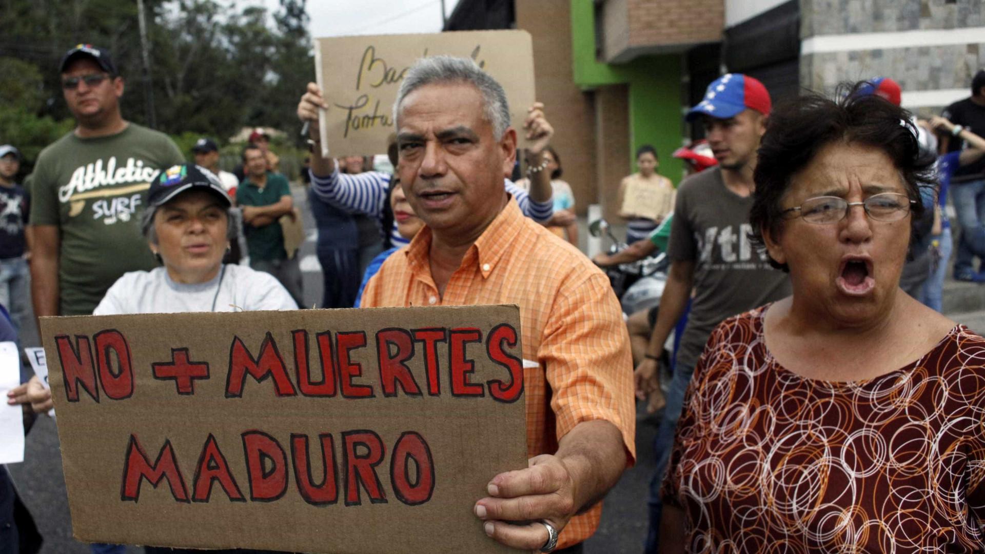 Noite de protestos e saques na  Venezuela deixa 12 mortos